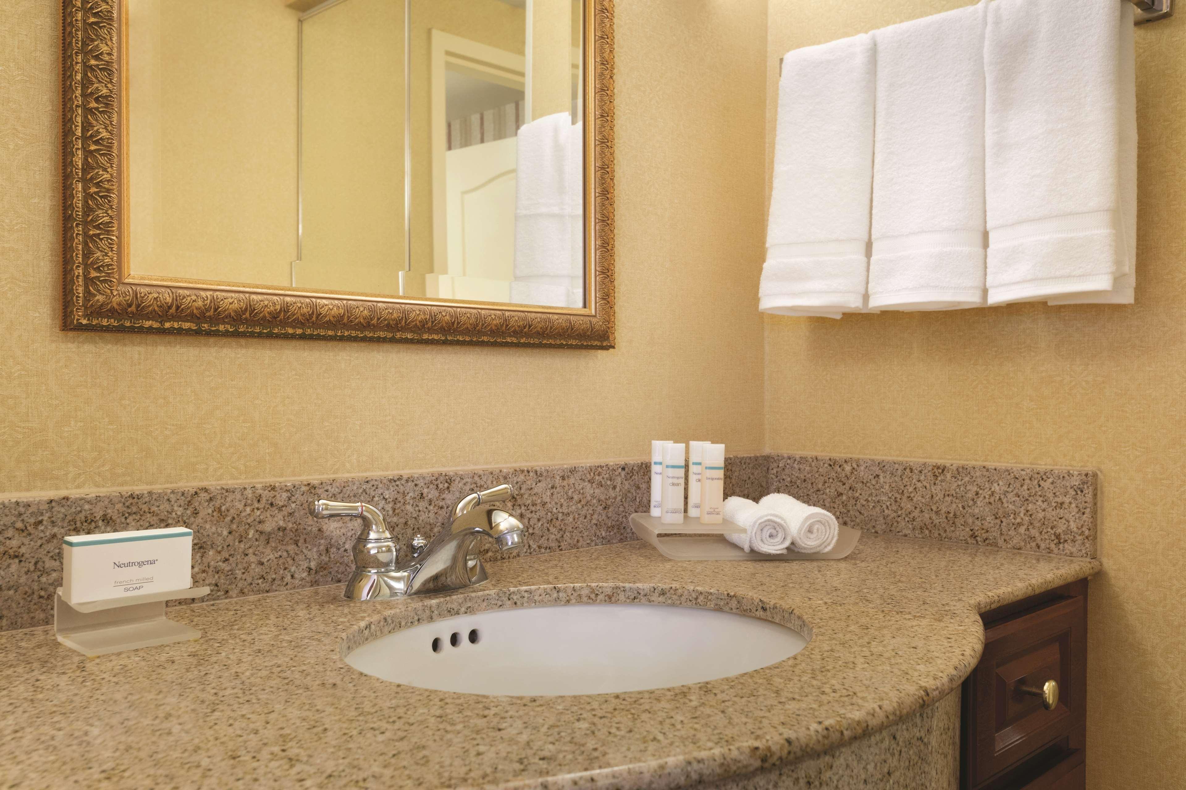 Homewood Suites by Hilton Detroit-Troy image 21