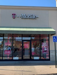 Exterior photo of T-Mobile Store at Southwind Rd & Rt 113 2, Manhattan, KS
