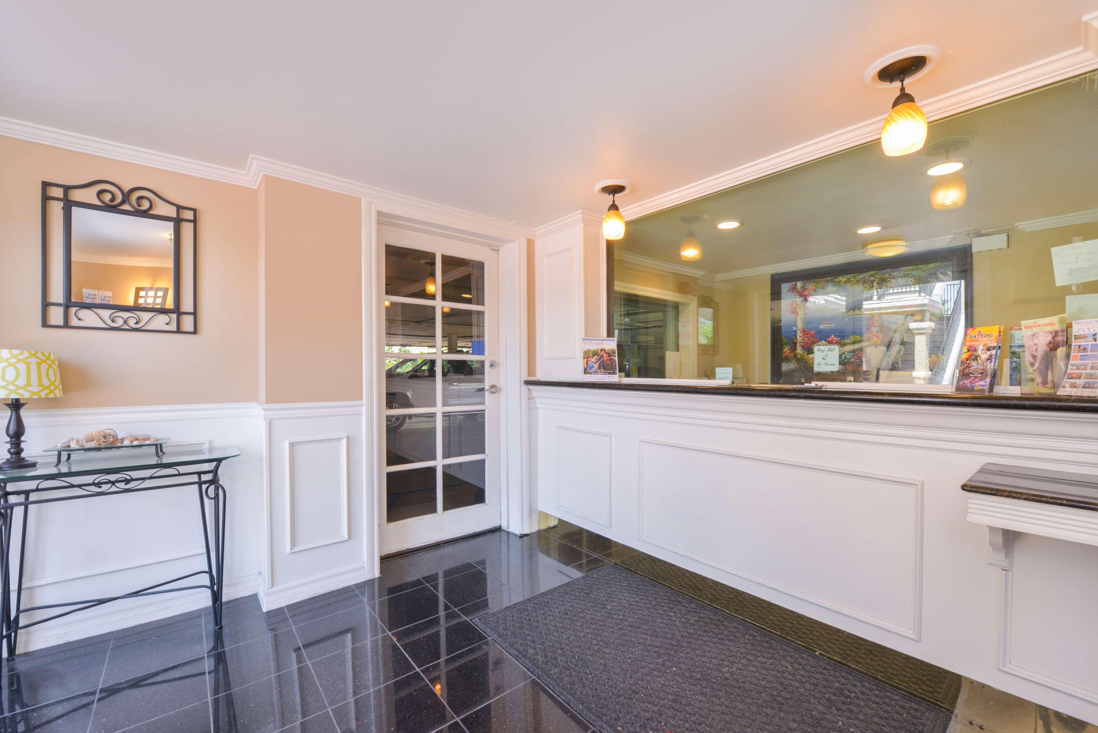 Americas Best Value Laguna Inn & Suites image 4