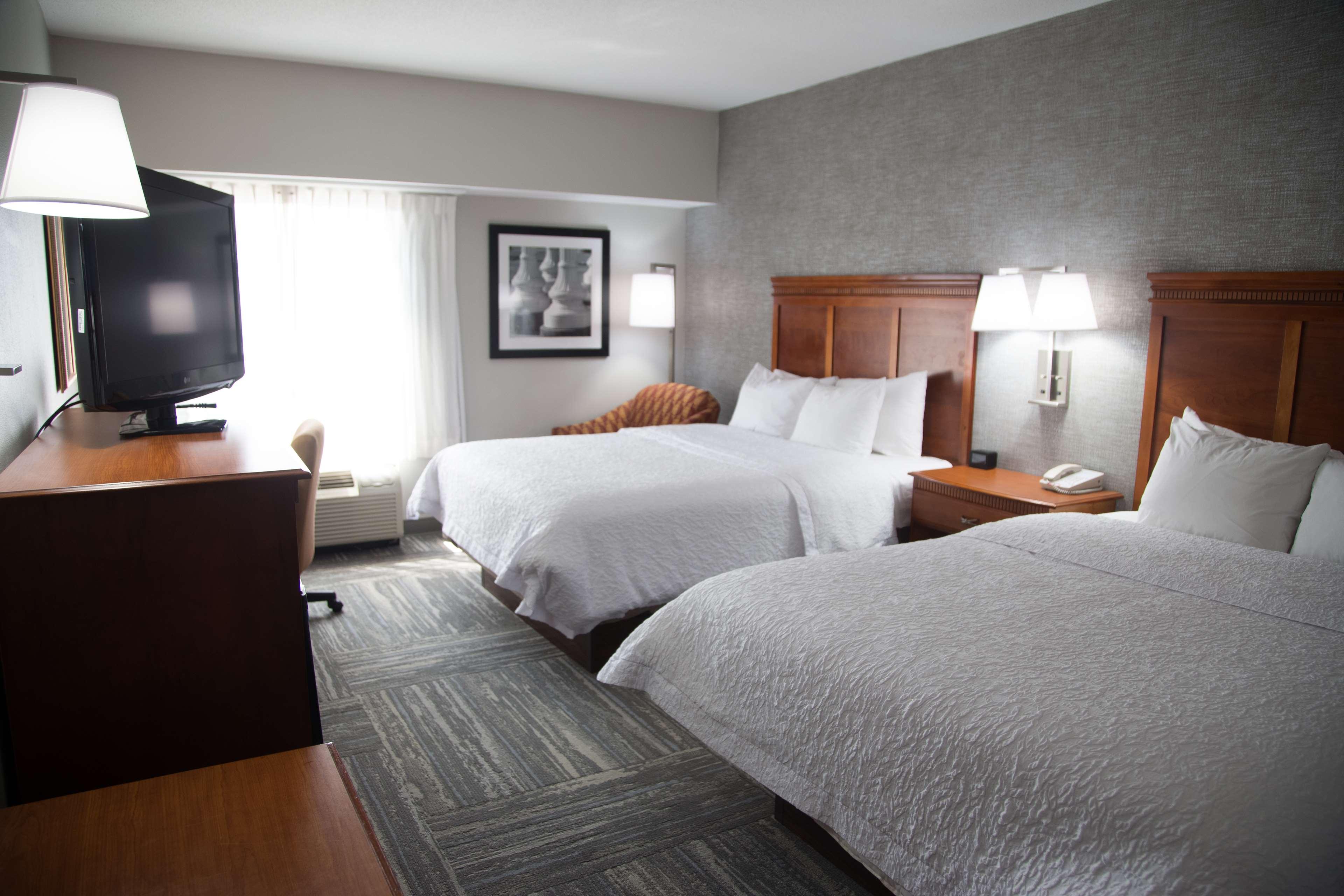 Hampton Inn & Suites Knoxville-Downtown image 16