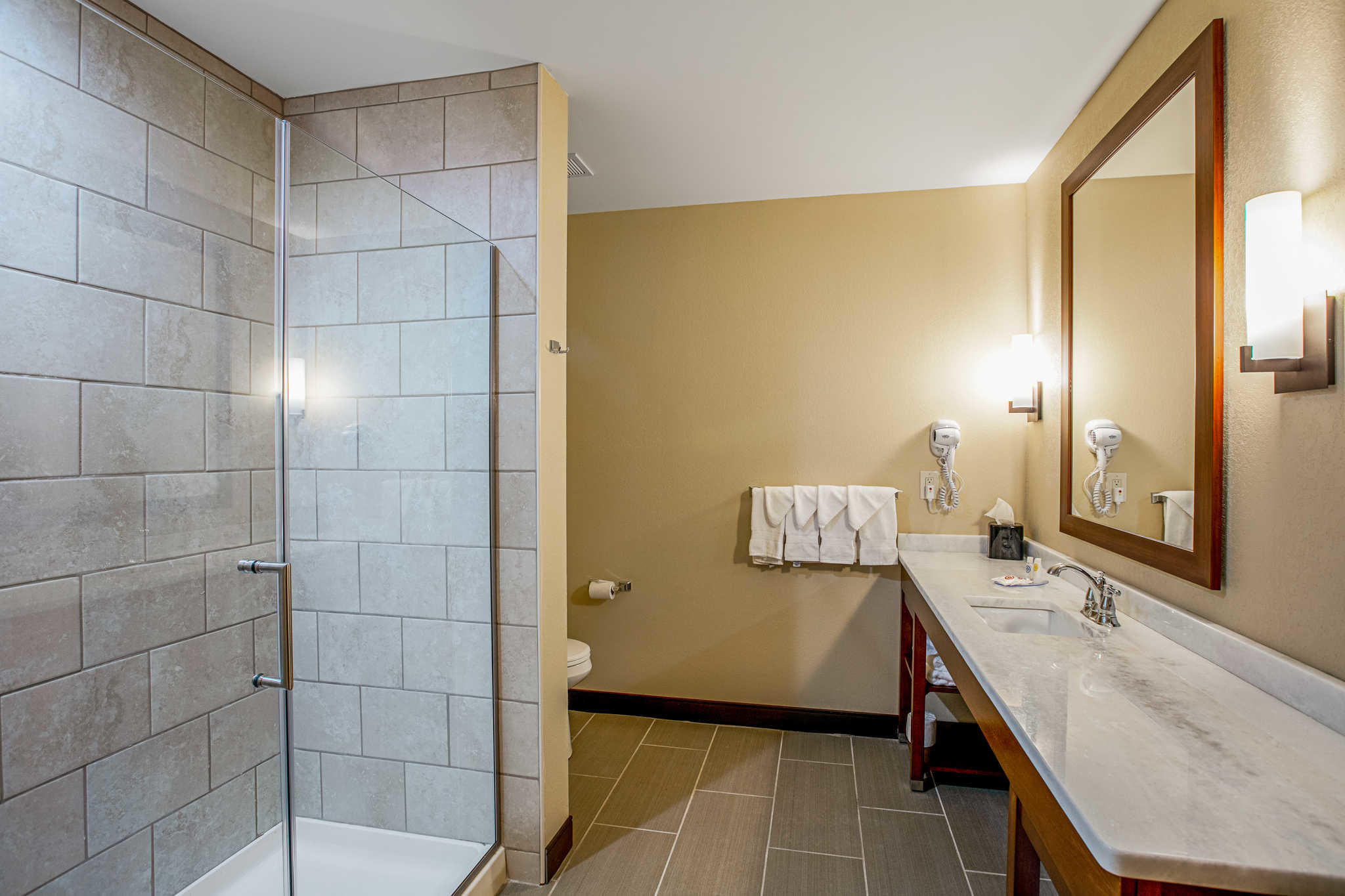 Comfort Suites image 37