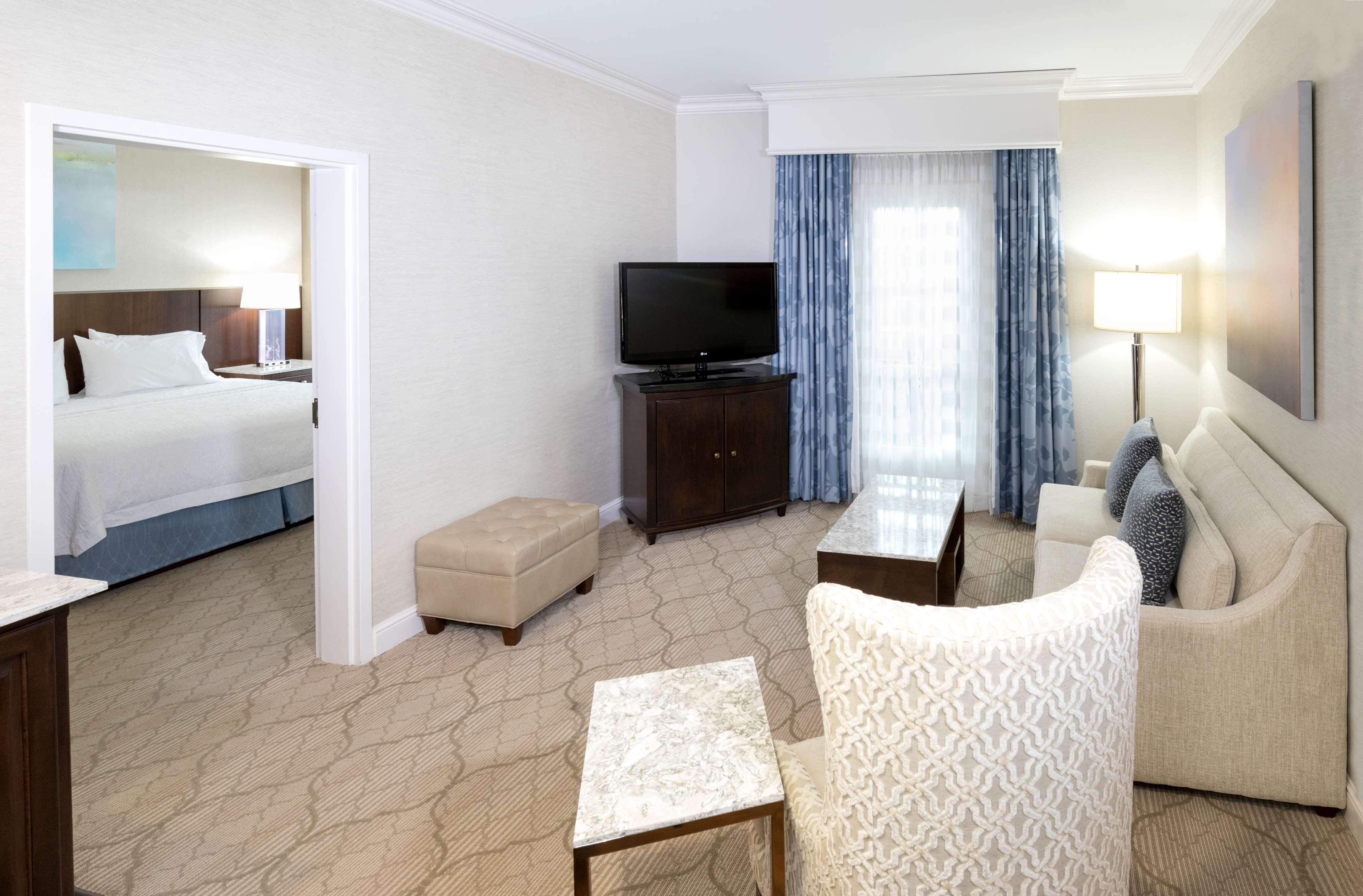 Hampton Inn & Suites Charlotte/South Park at Phillips Place image 47