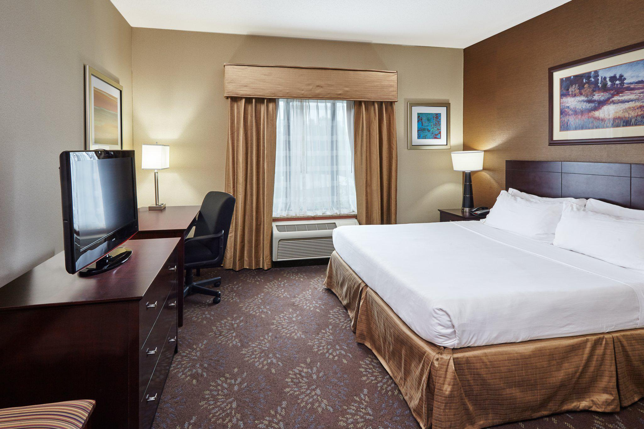 Holiday Inn Express & Suites Grand Rapids - South in Grand Rapids, MI, photo #23