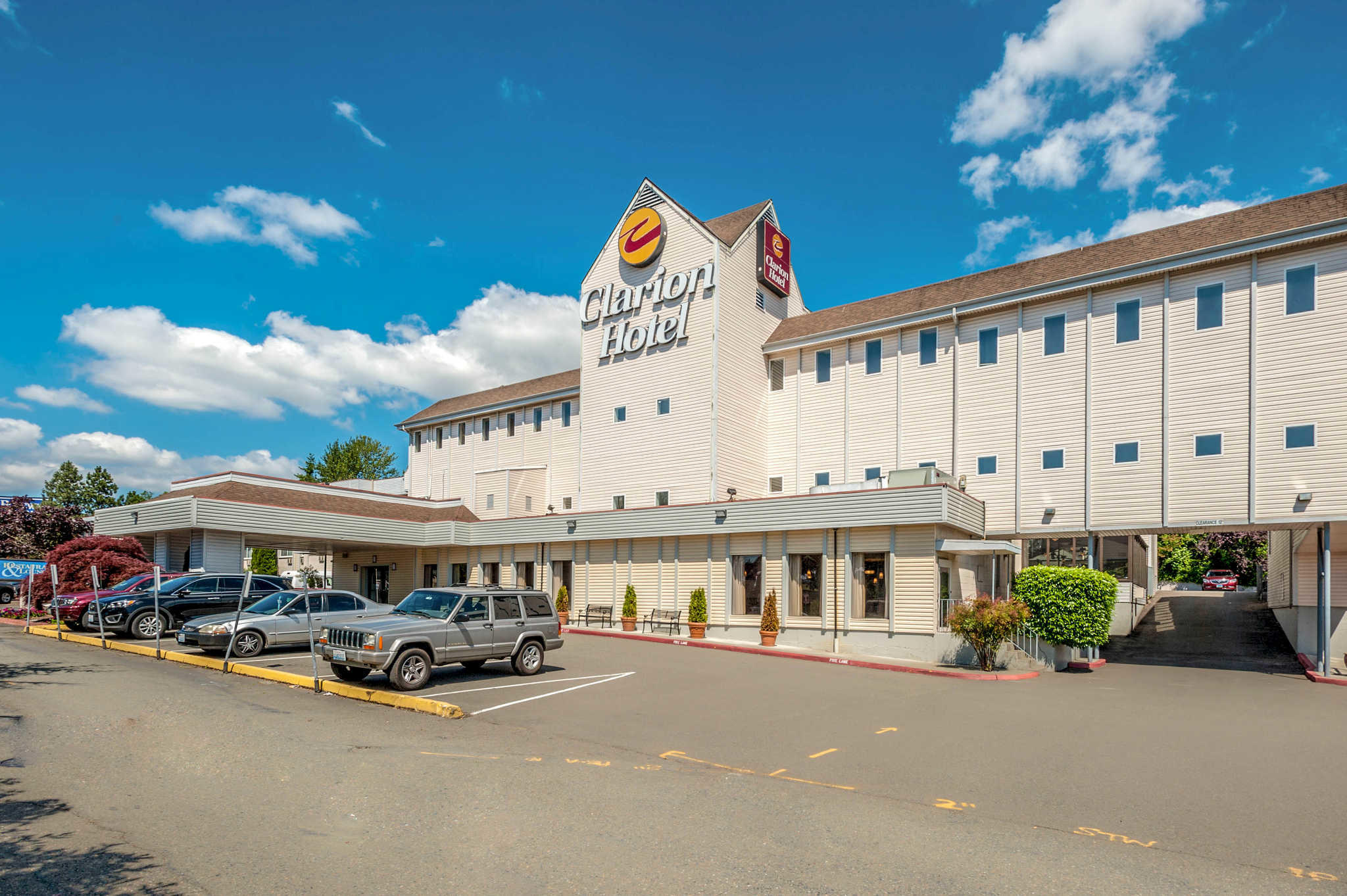 Clarion Hotel Seattle Airport image 2