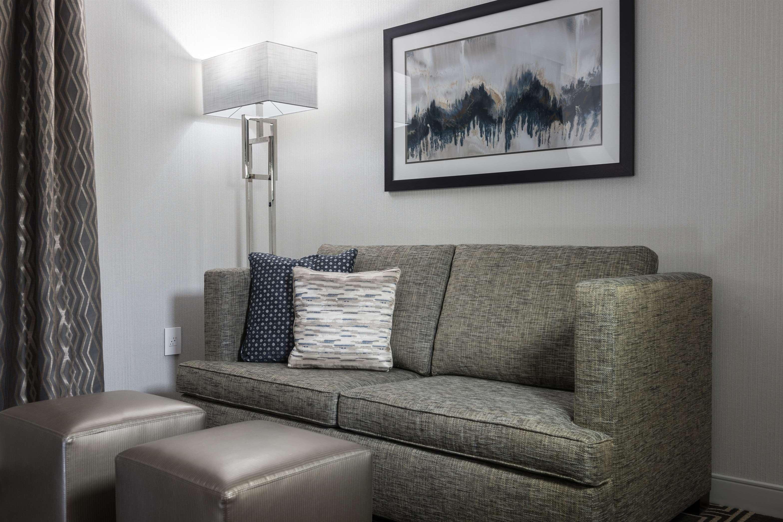 Hampton Inn & Suites Worcester image 4