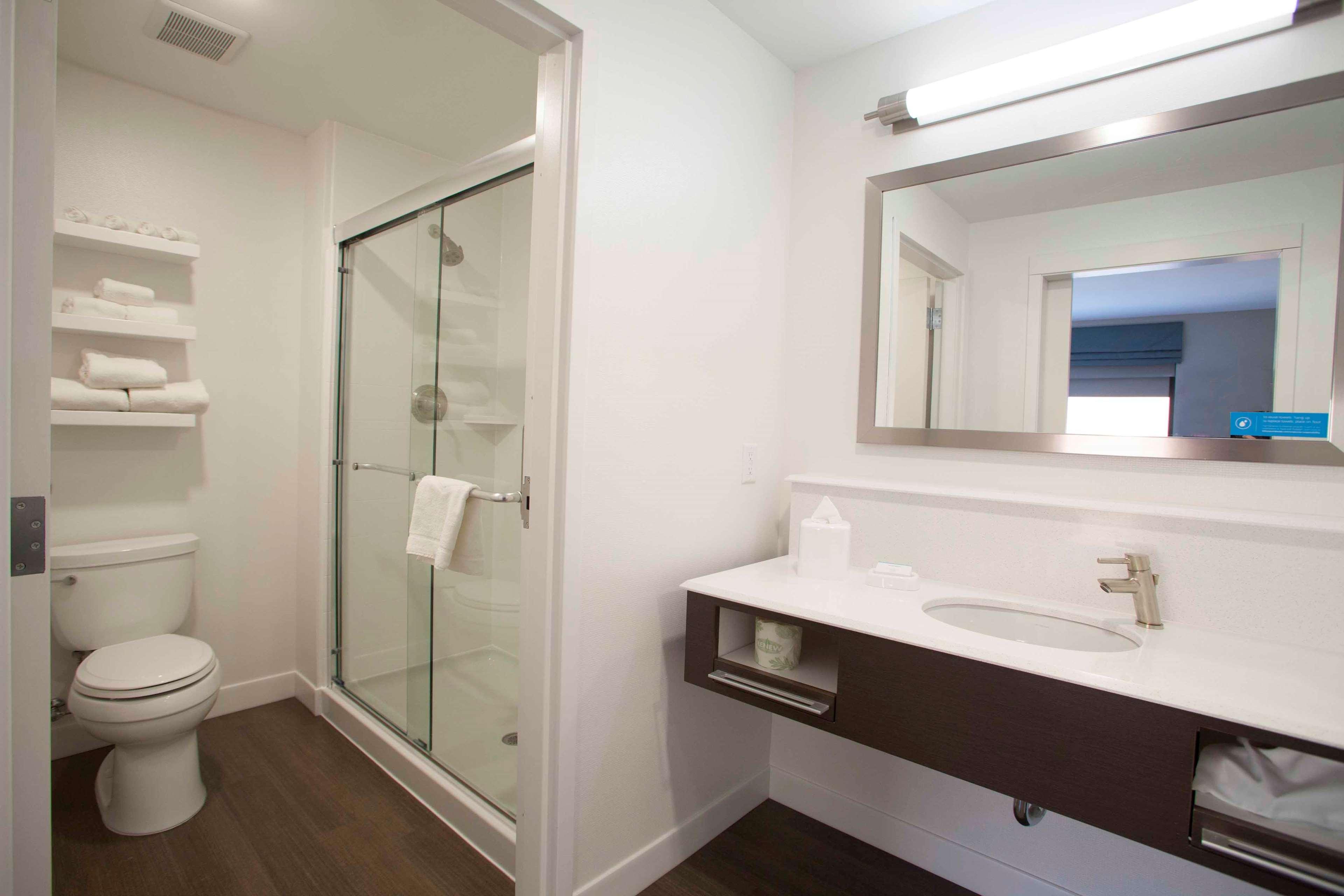 Hampton Inn & Suites Downtown St. Paul image 35