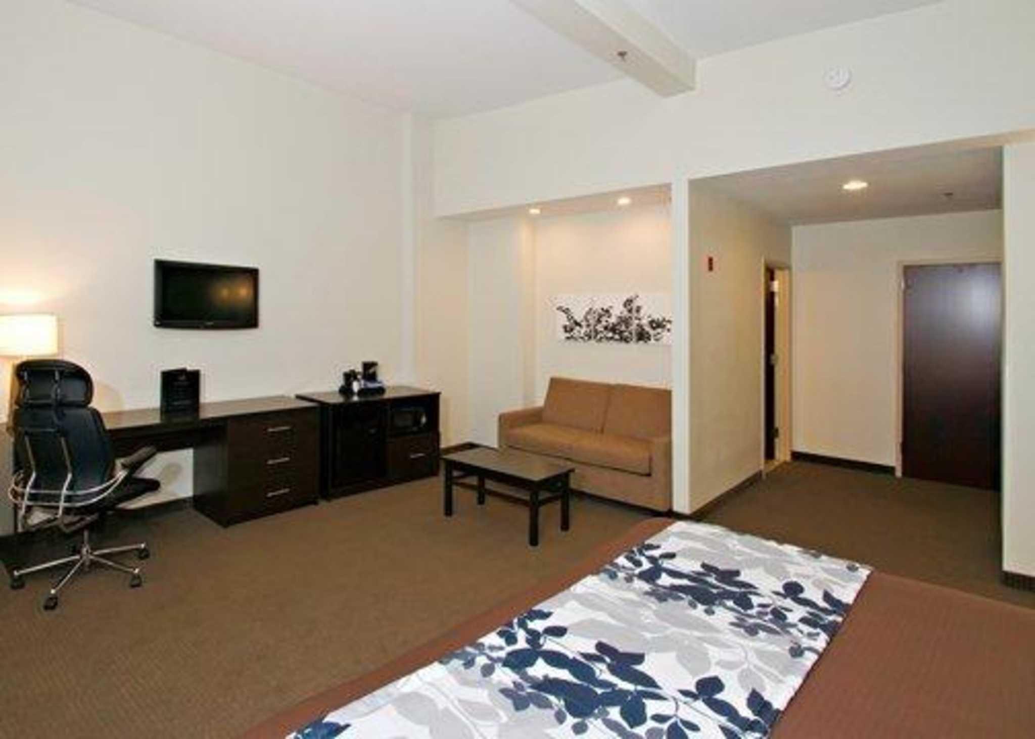 Sleep Inn & Suites Downtown Inner Harbor image 18