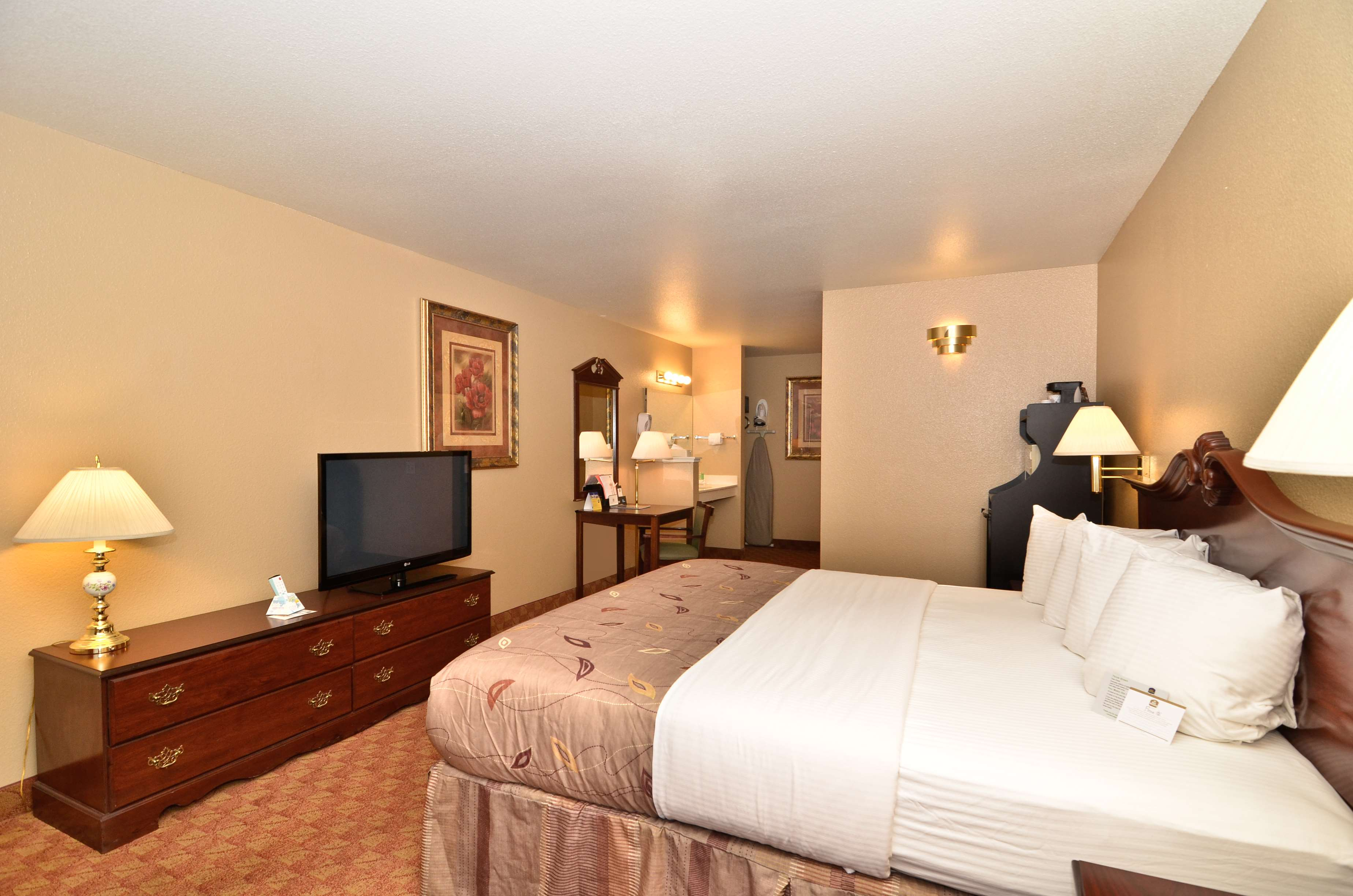 Best Western Fallon Inn & Suites image 7