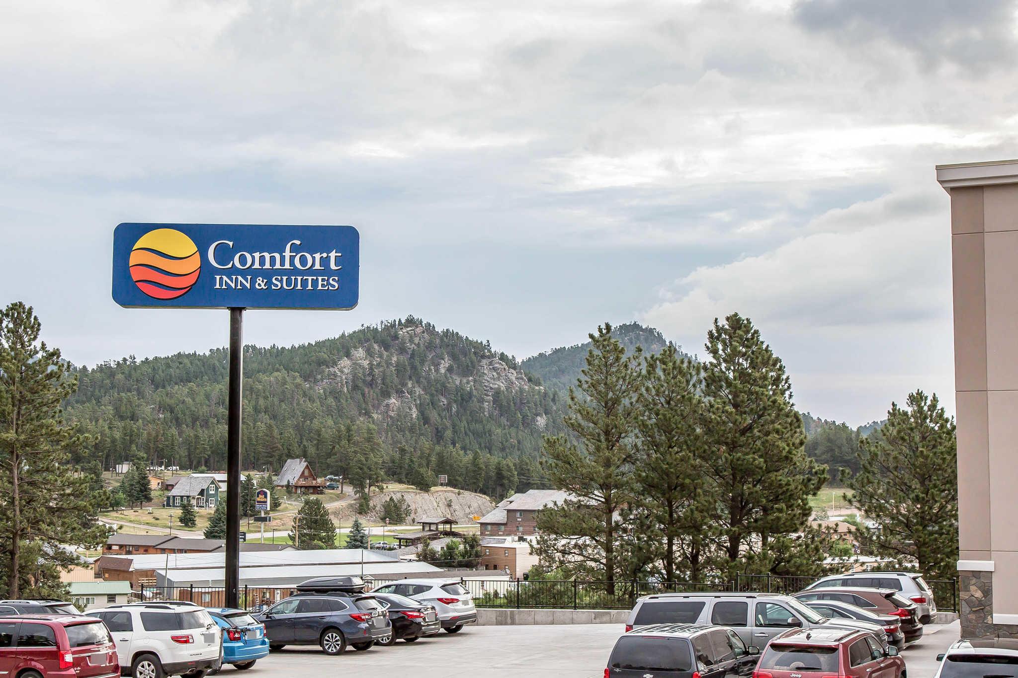 Comfort Inn & Suites Near Mt. Rushmore image 3
