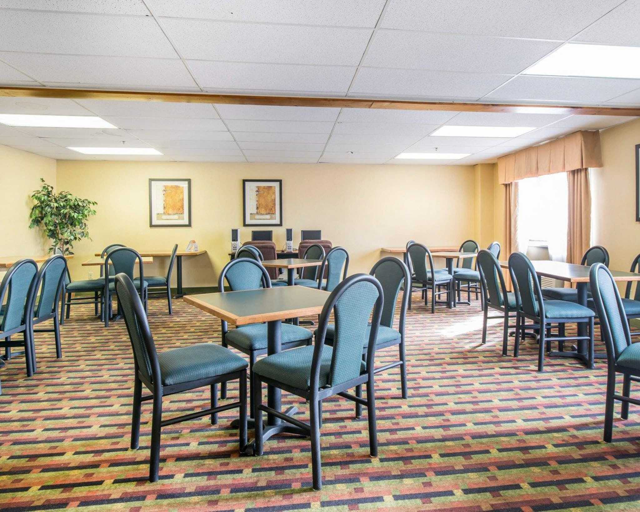 Quality Inn Colorado Springs Airport image 17