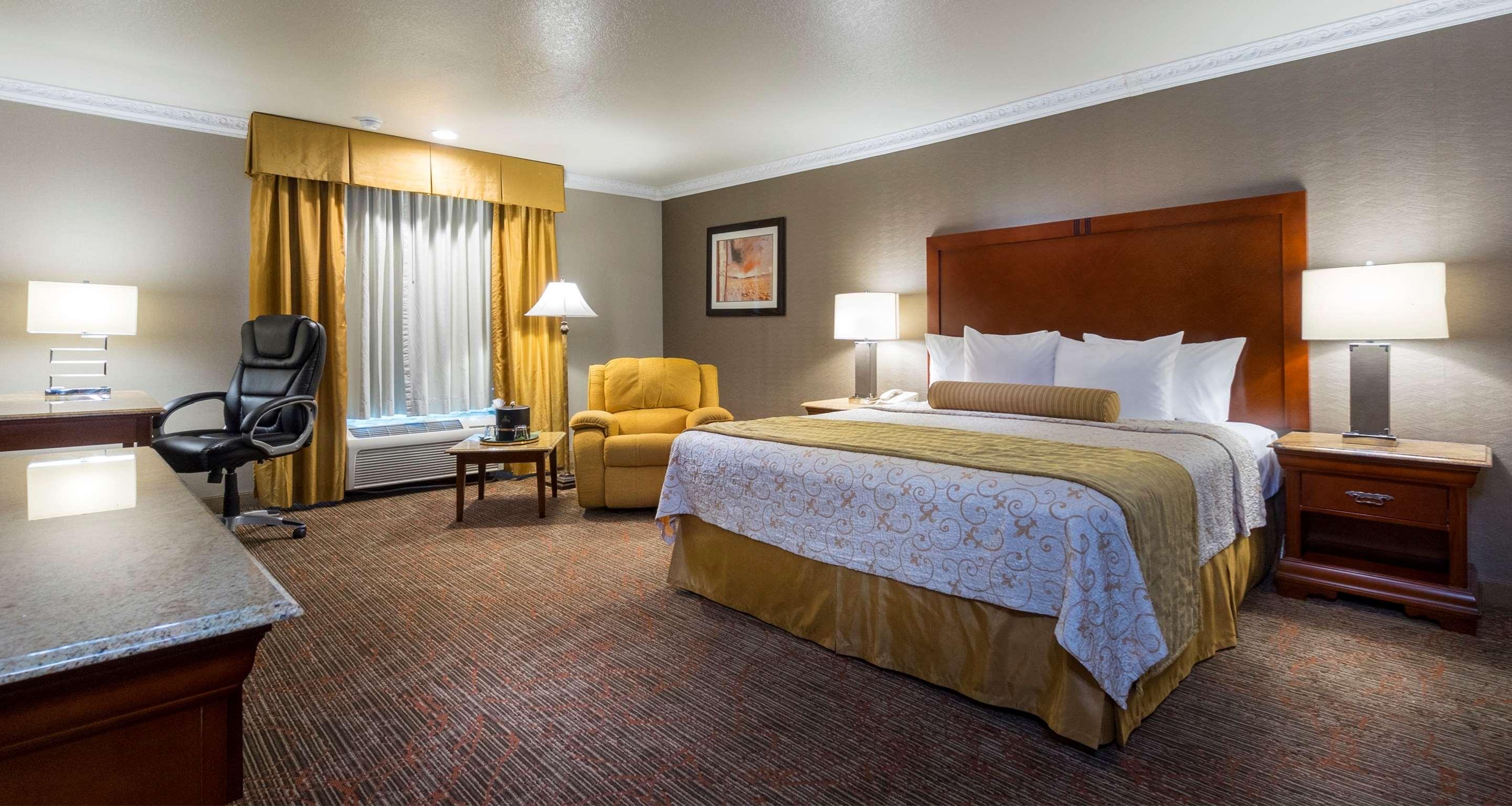 Best Western Plus Newport Mesa Inn image 33