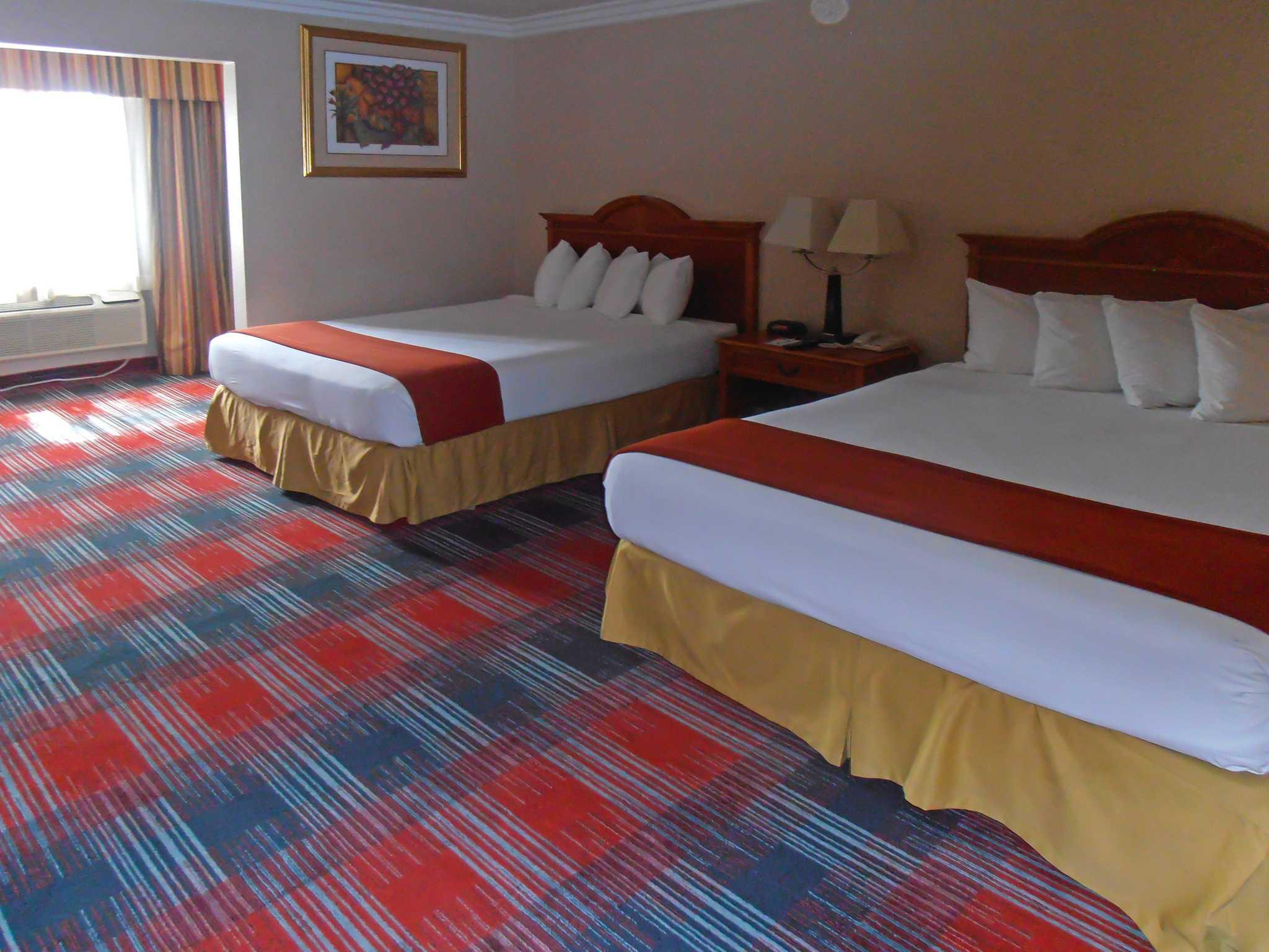 Quality Inn & Suites Oceanside Near Camp Pendleton image 7