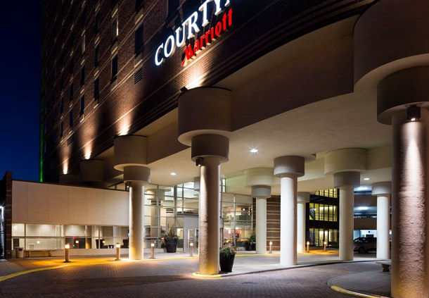 Courtyard by Marriott Minneapolis Downtown image 1