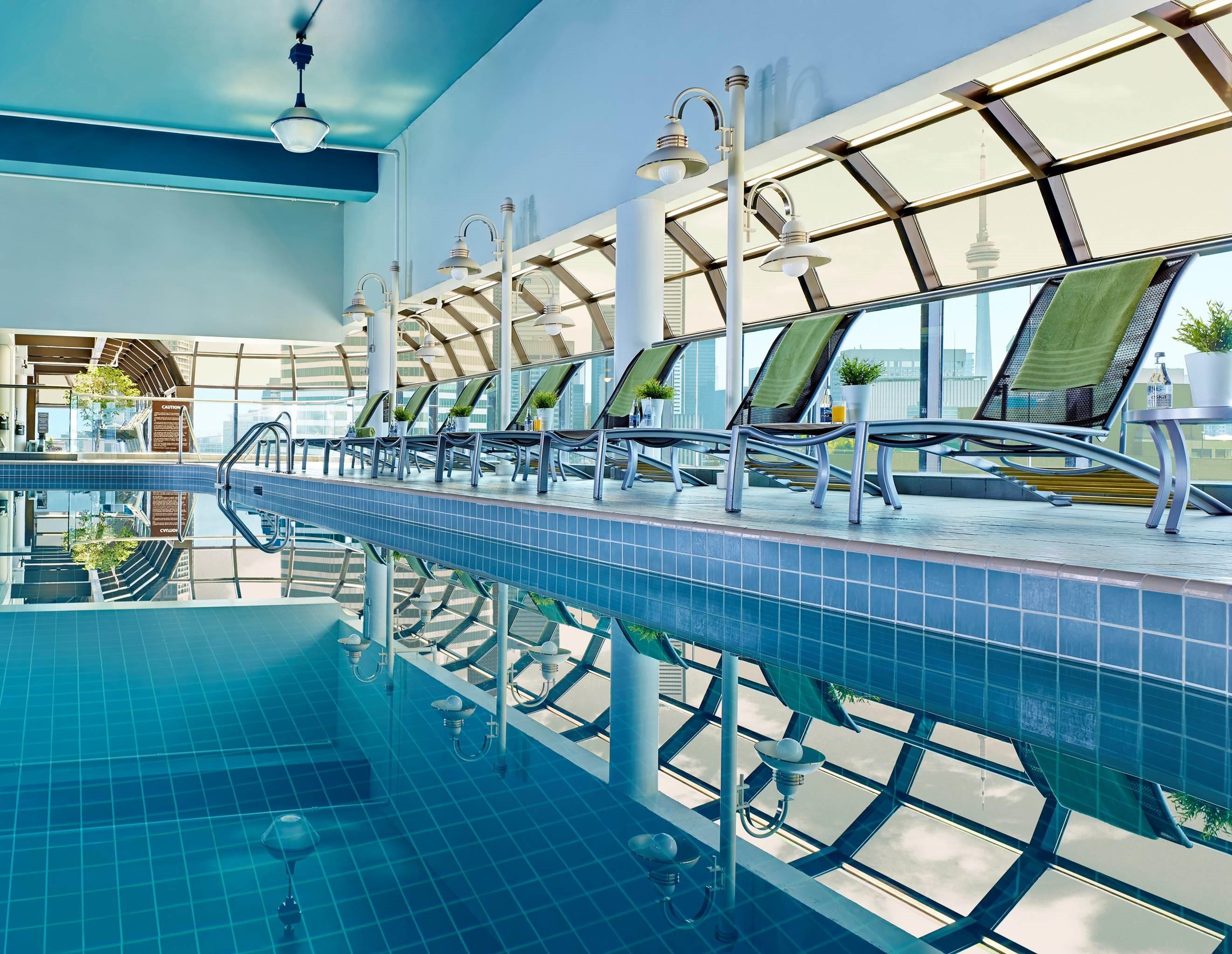 CHELSEA HOTEL, TORONTO in Toronto: Chelsea Hotel Deck 27 Pool
