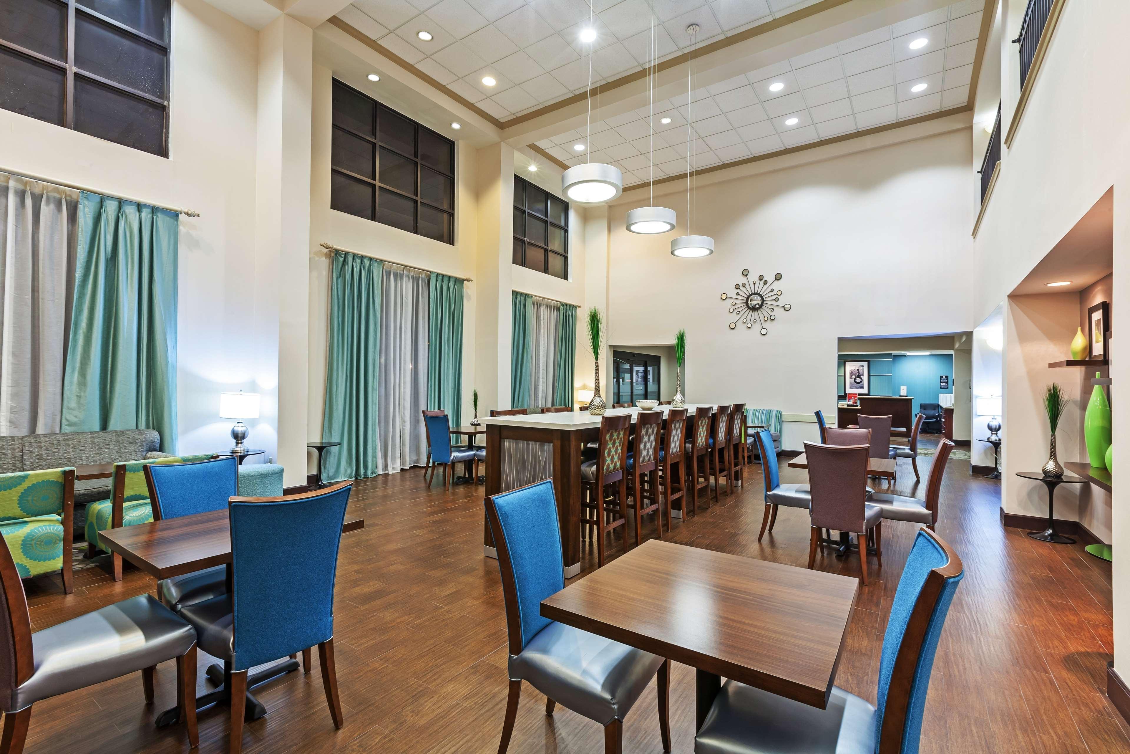 Hampton Inn & Suites Houston-Westchase image 12