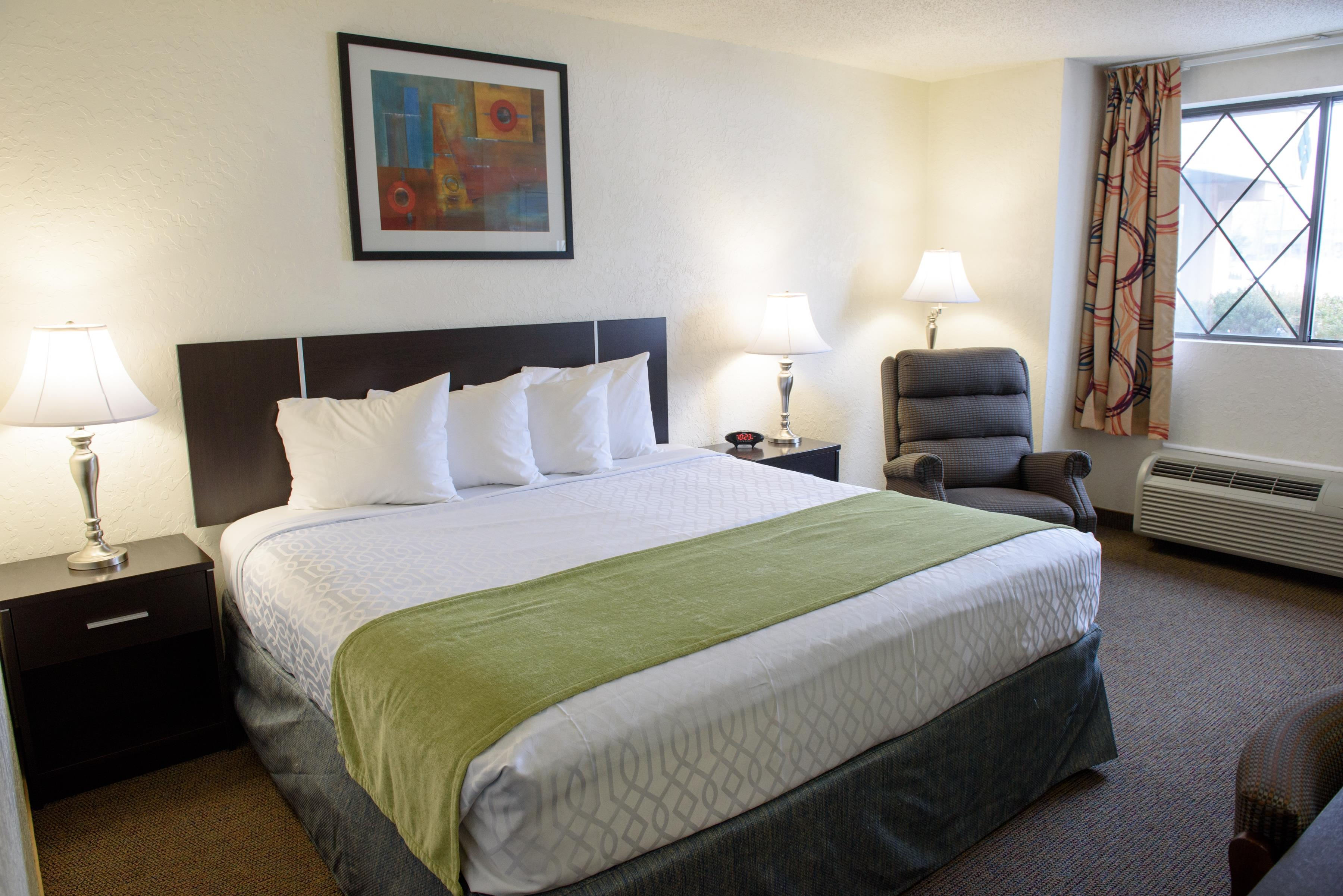 Americas Best Value Inn - New Paltz image 6
