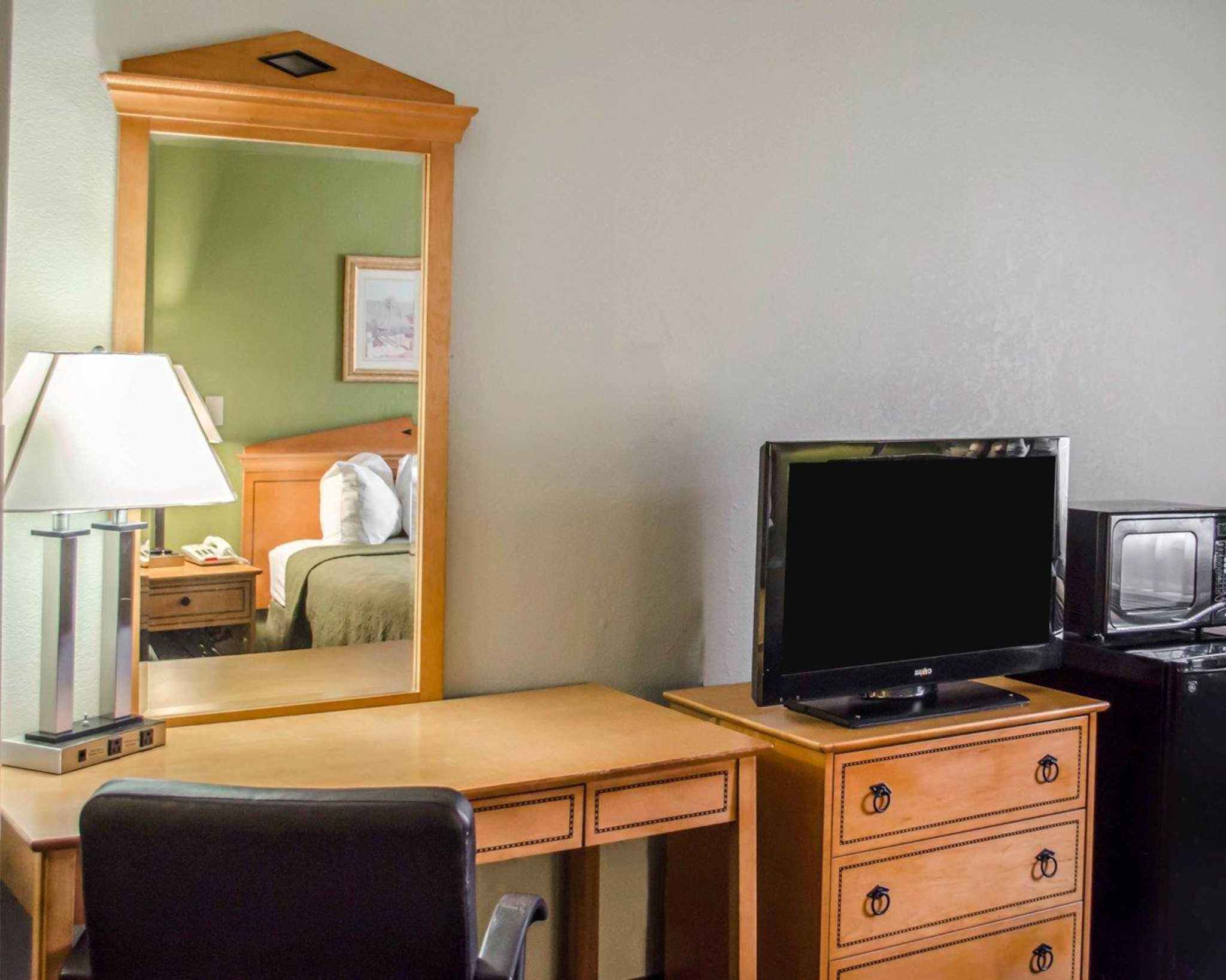 Quality Inn N.A.S.-Corry image 7