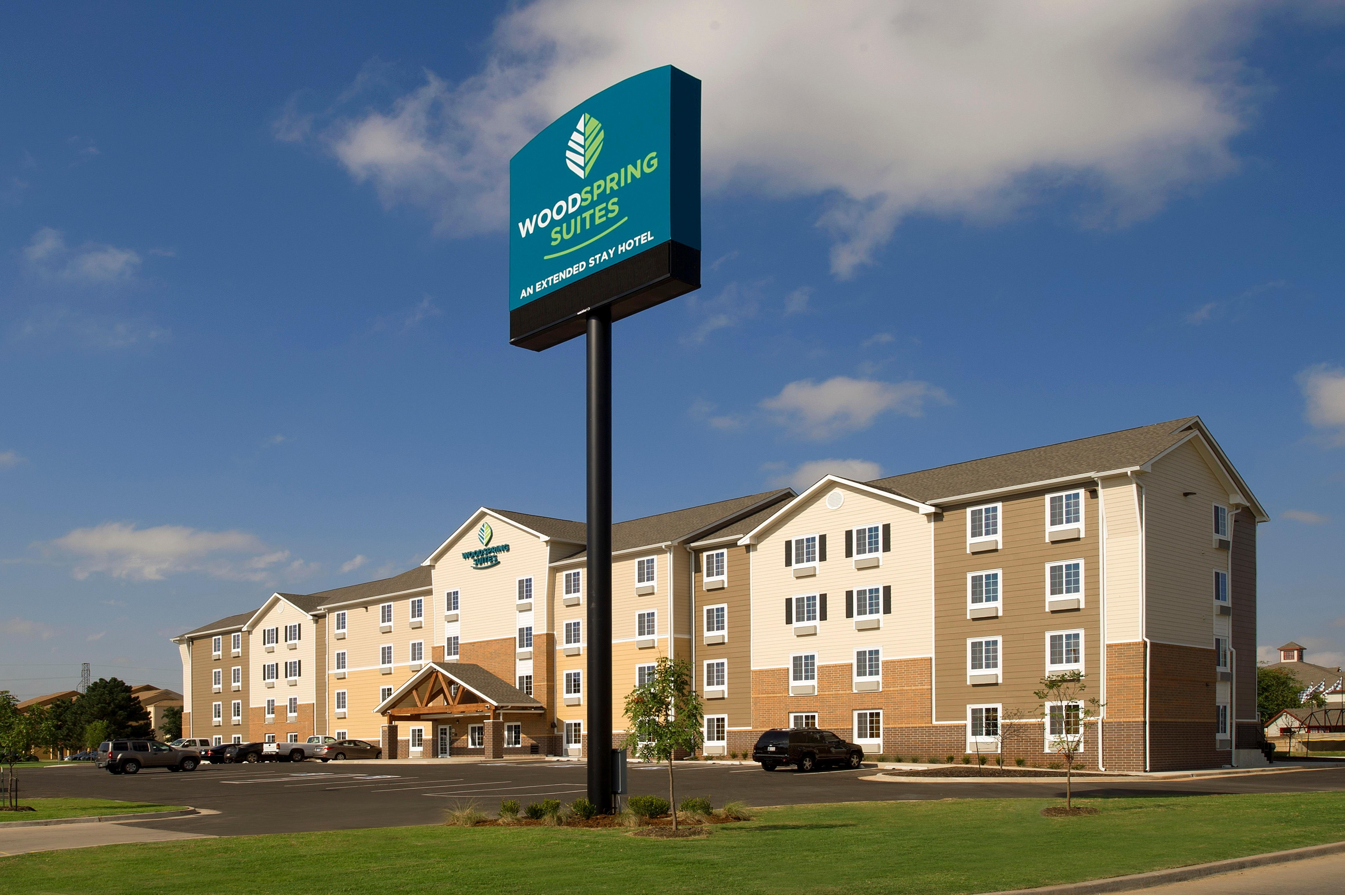 WoodSpring Suites Oklahoma City Airport image 4