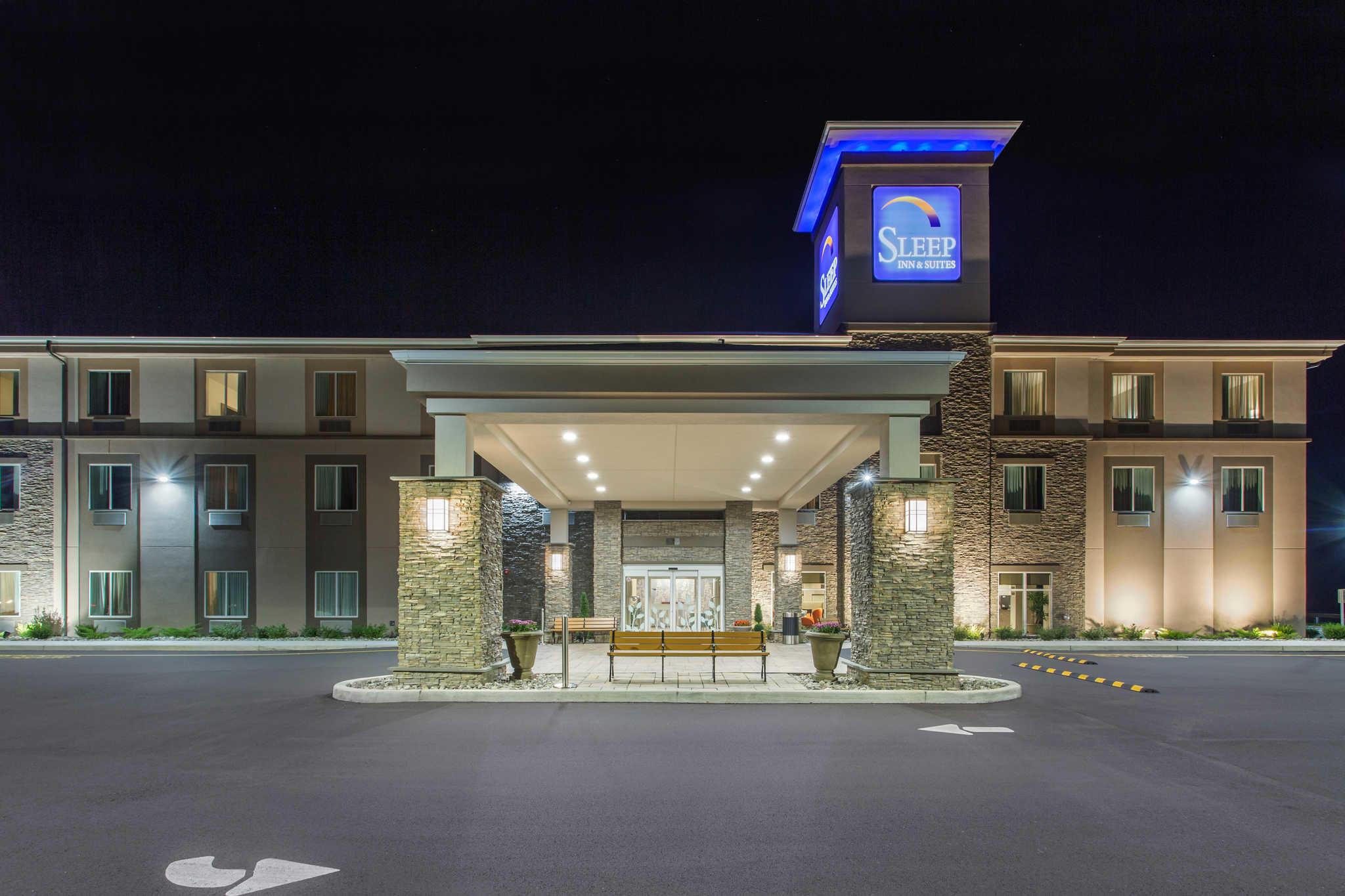 Sleep Inn & Suites Monroe - Woodbury image 2