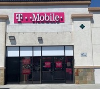Exterior photo of T-Mobile Store at Ximeno & Pch, Long Beach, CA