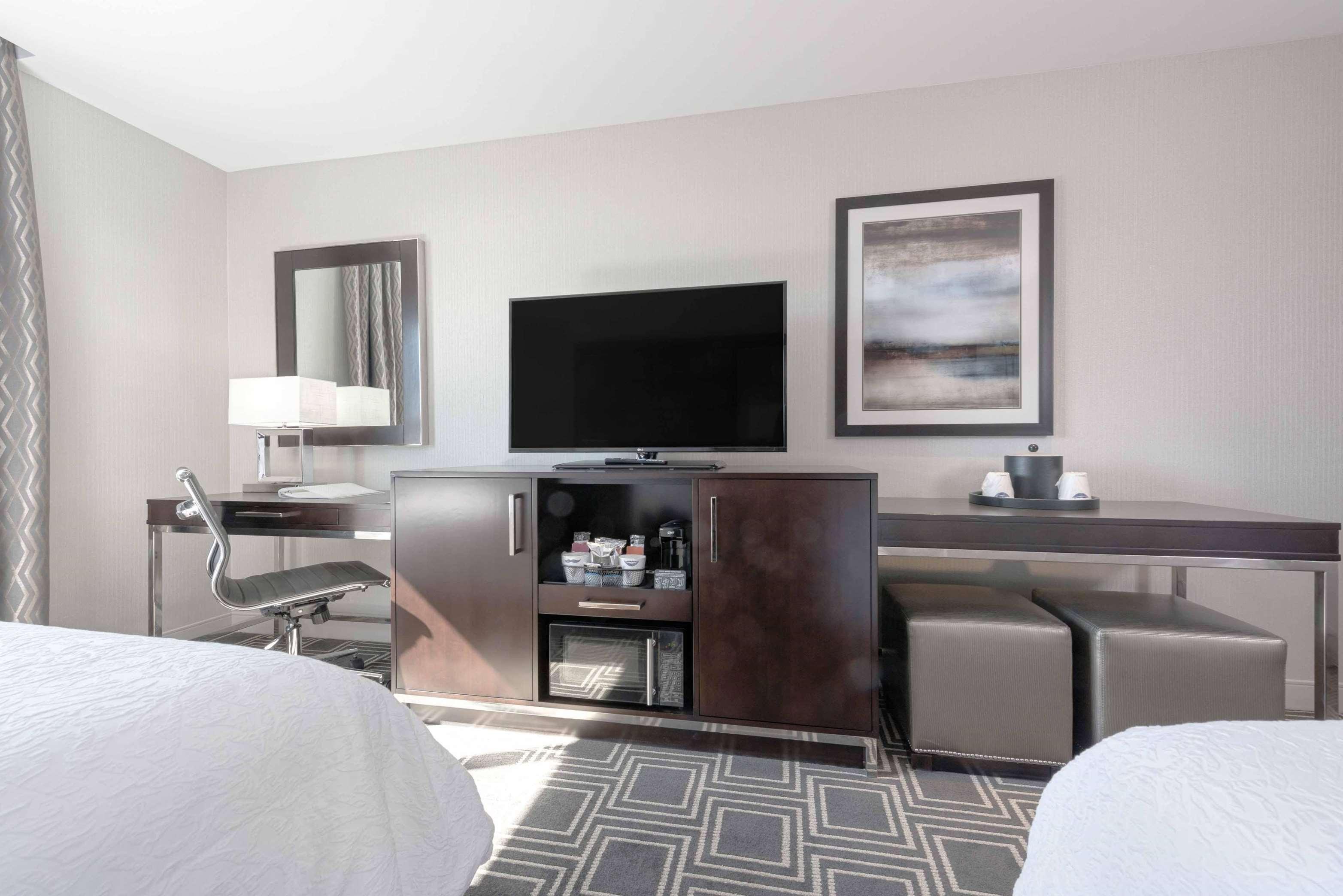 Hampton Inn & Suites Worcester image 29