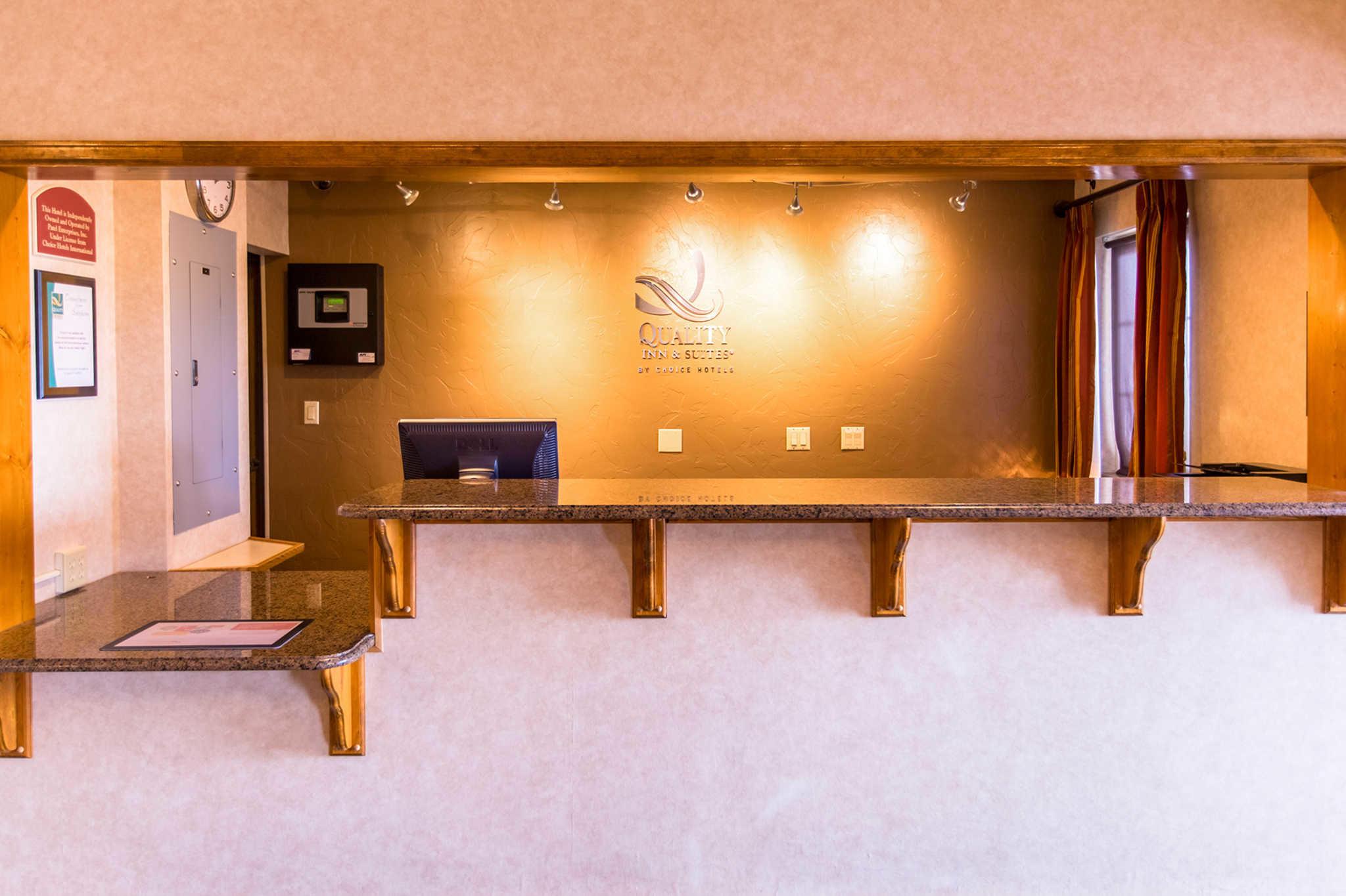 Quality Inn & Suites University image 6