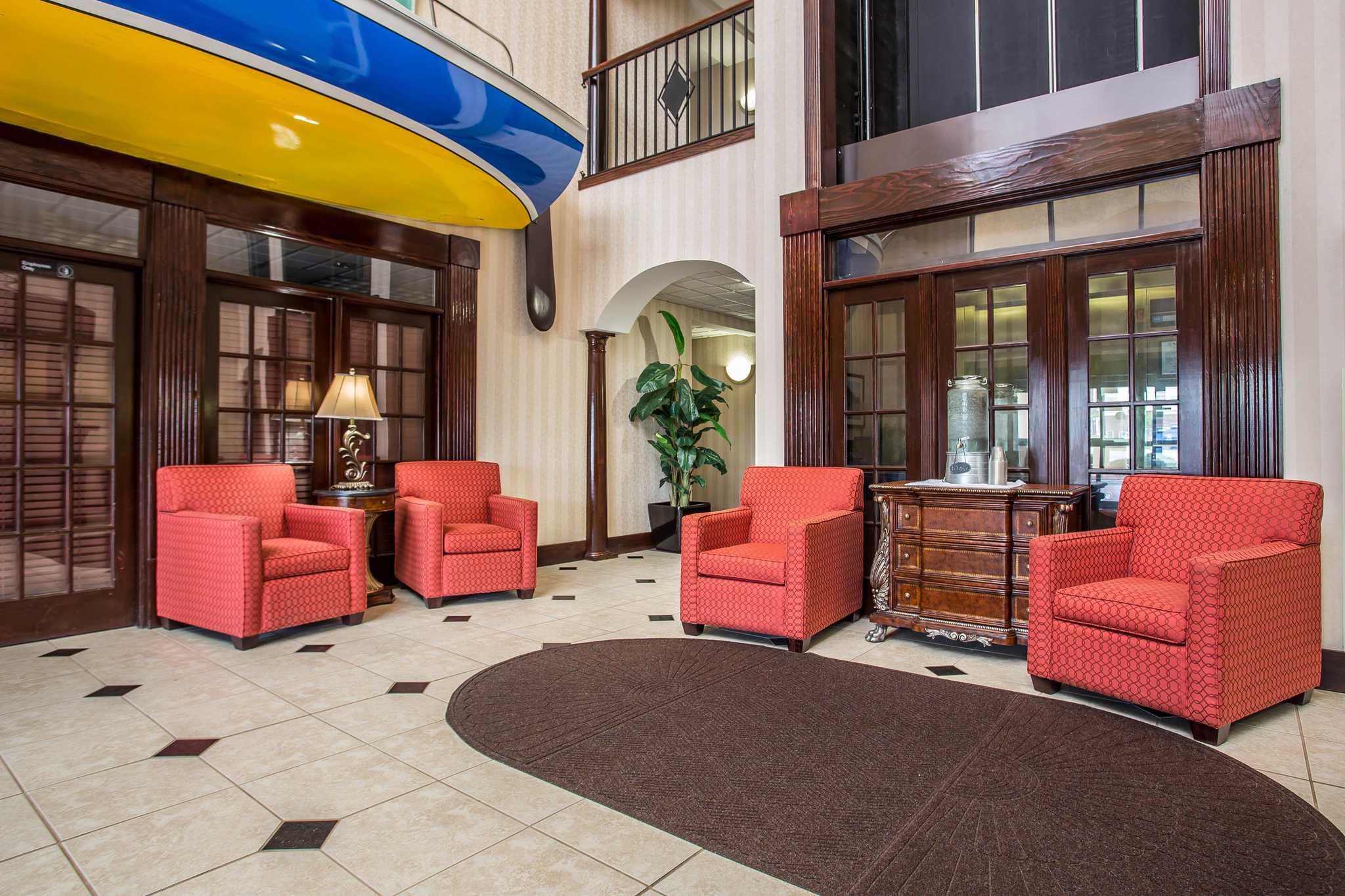 Comfort Inn & Suites Ft.Jackson Maingate image 17