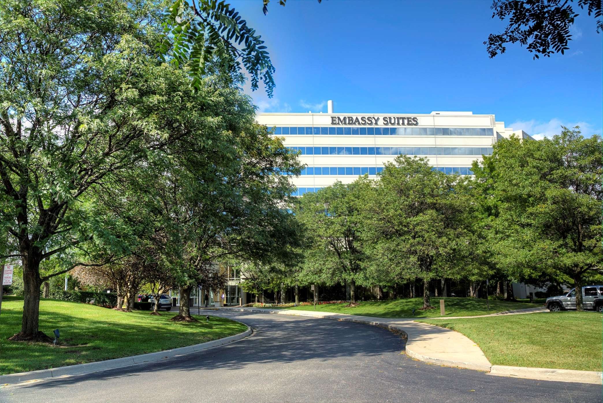 Embassy Suites by Hilton Detroit Troy Auburn Hills image 0