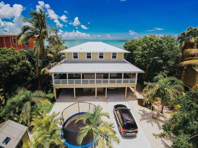 Coastal Collection Real Estate Inc. image 7
