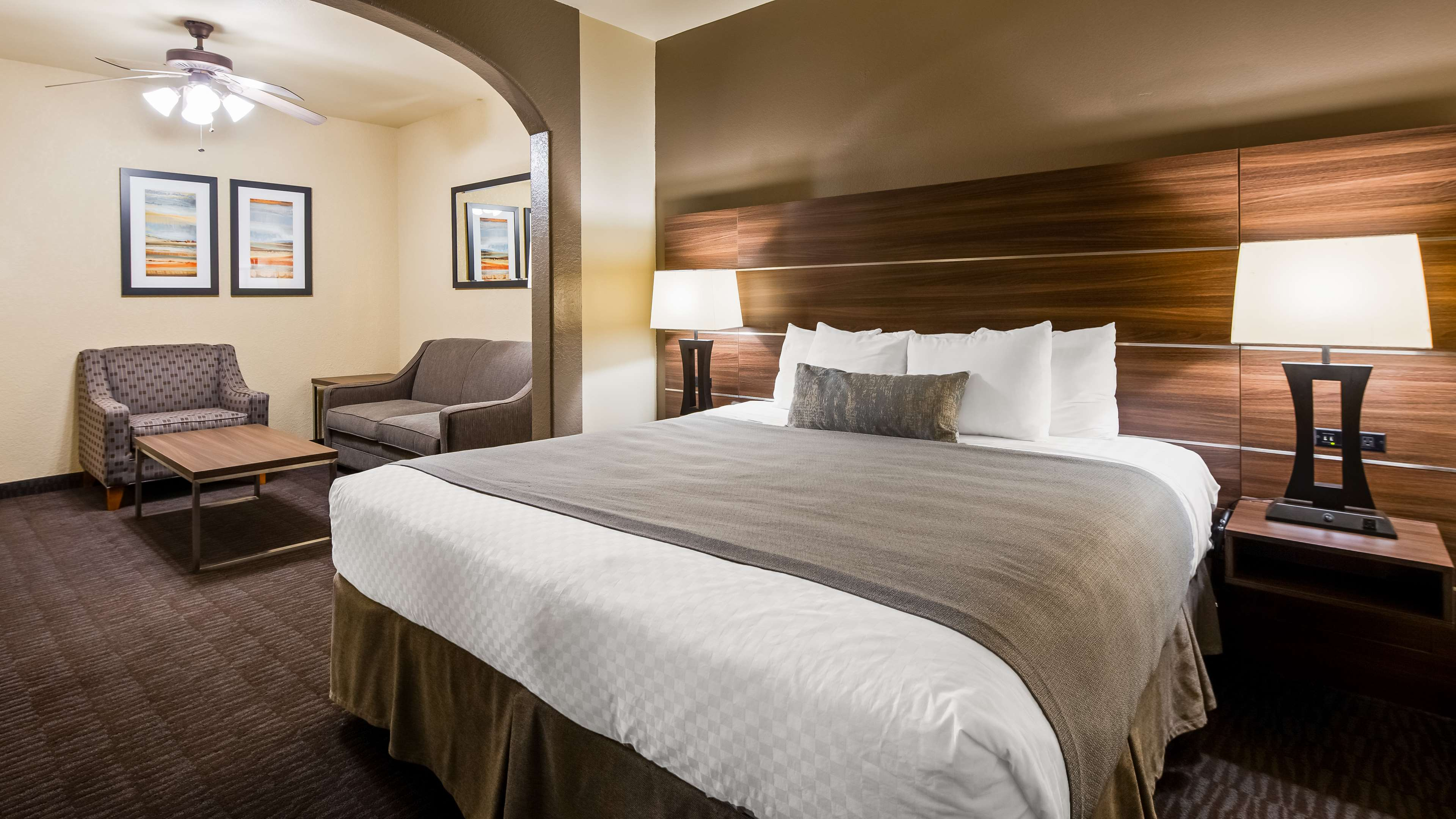 Best Western Plus Hill Country Suites image 8