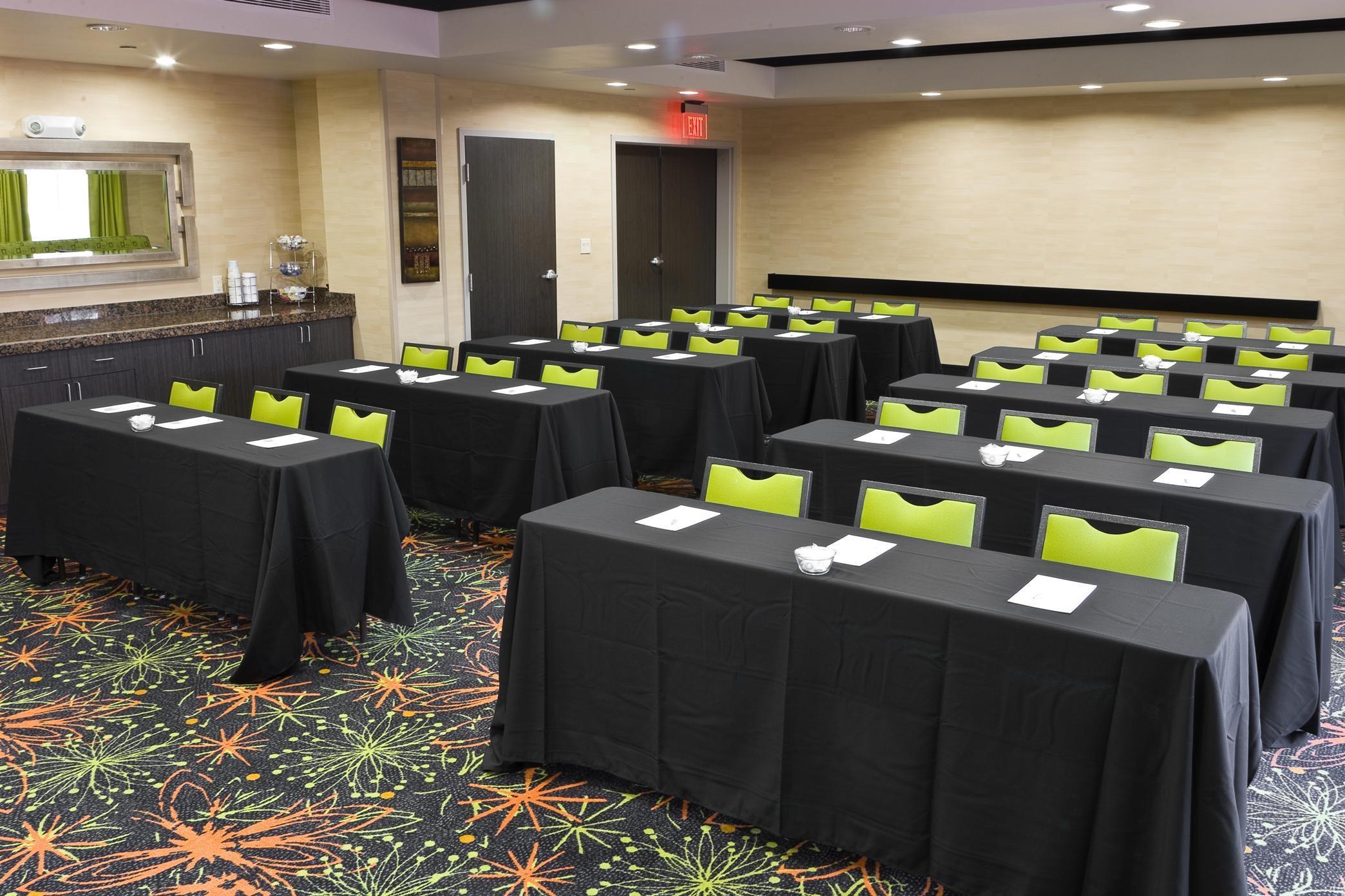 Hampton Inn & Suites Tulsa/Central image 10