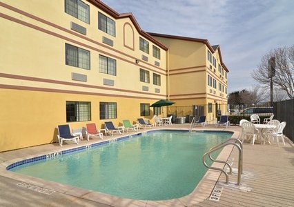 Quality Inn near SeaWorld - Lackland - ad image