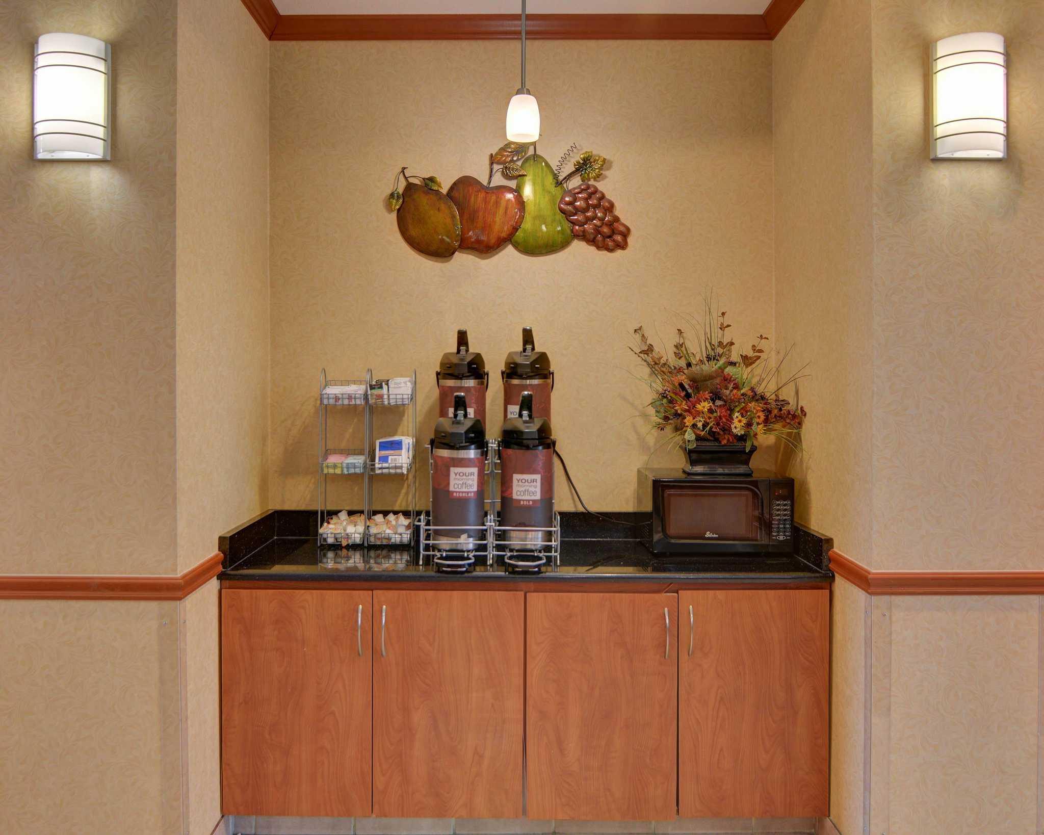 Comfort Suites Near Cedar Creek Lake image 18