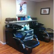 Salon Beautiful image 1