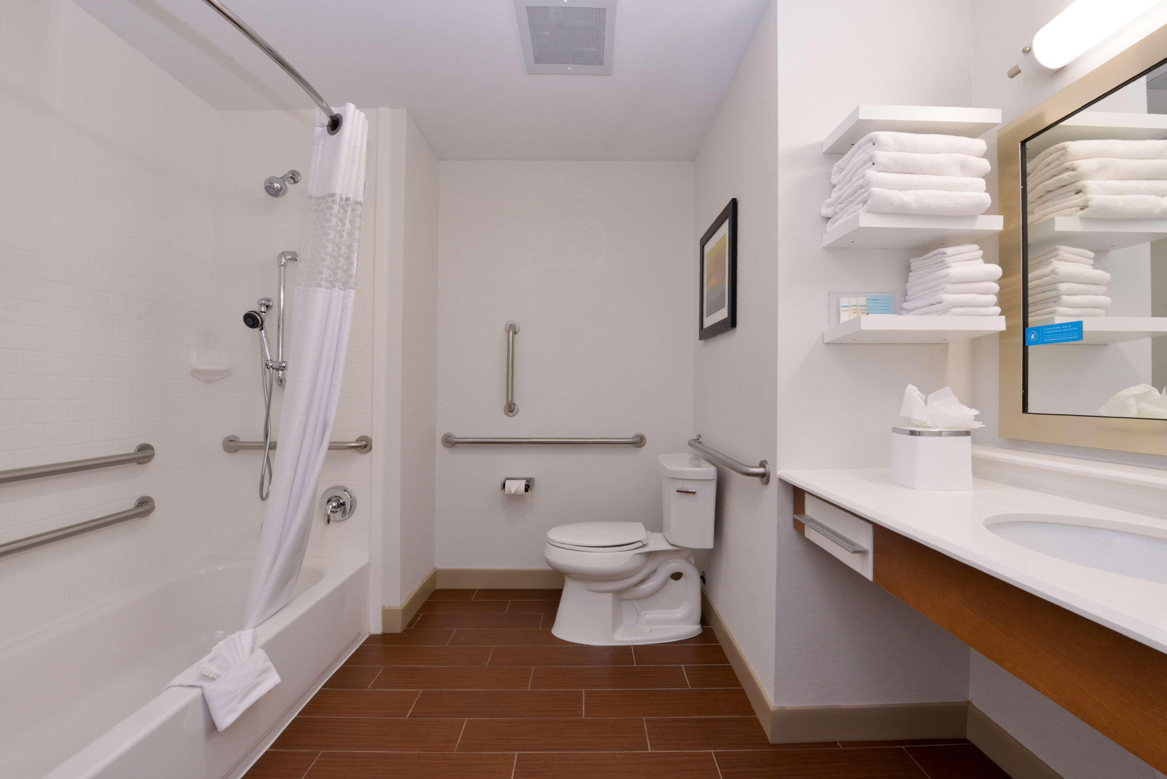 Hampton Inn & Suites Lonoke image 27