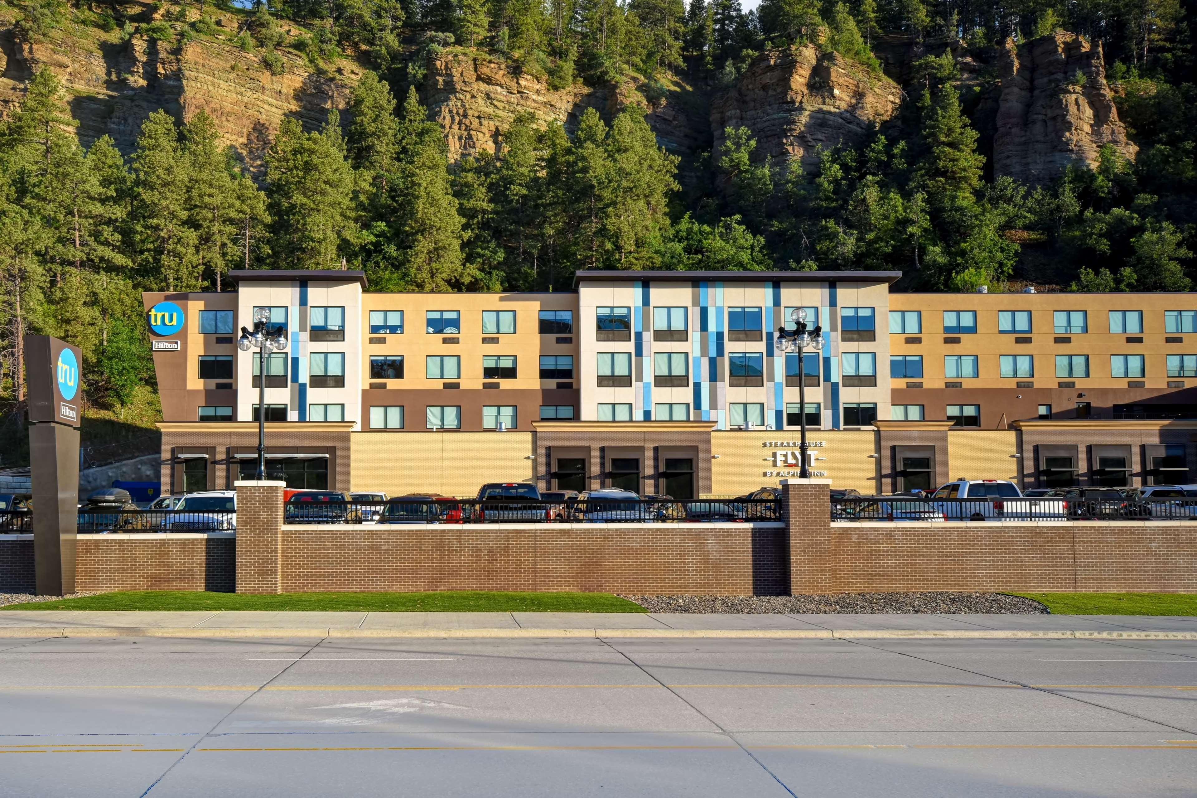 Tru by Hilton Deadwood image 2