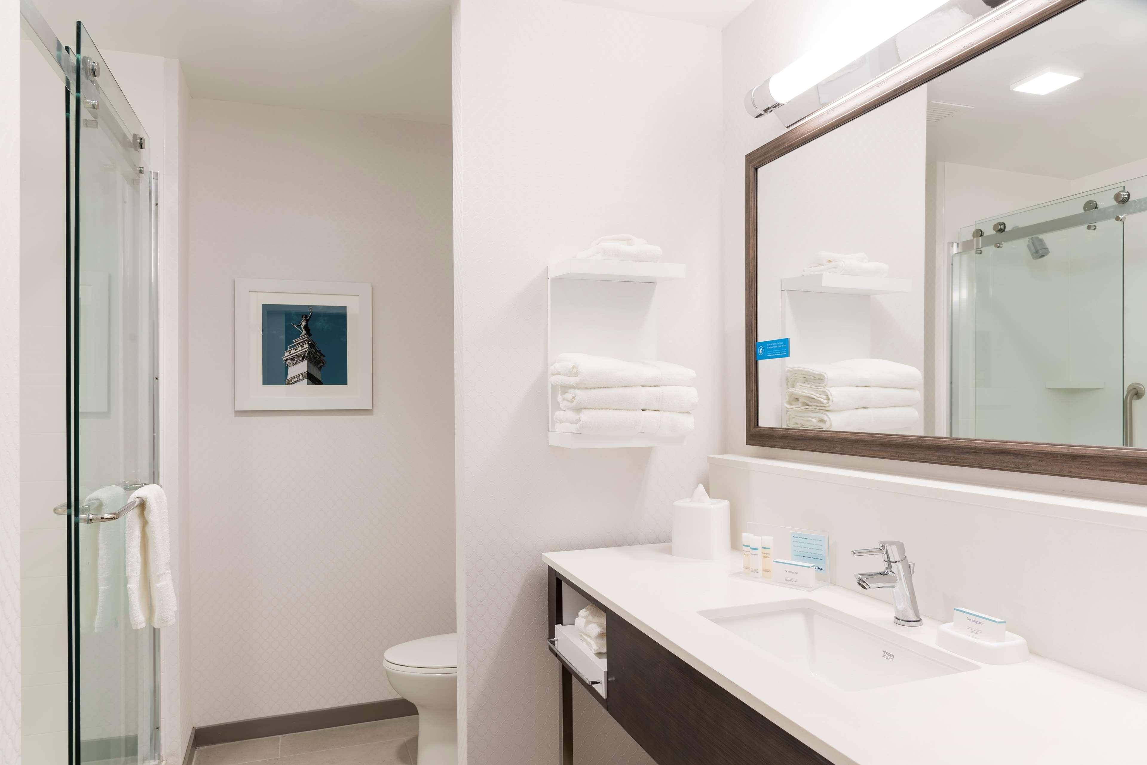 Hampton Inn & Suites Indianapolis-Keystone image 19