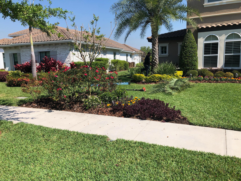 Oak Hill Lawn and Landscape image 2