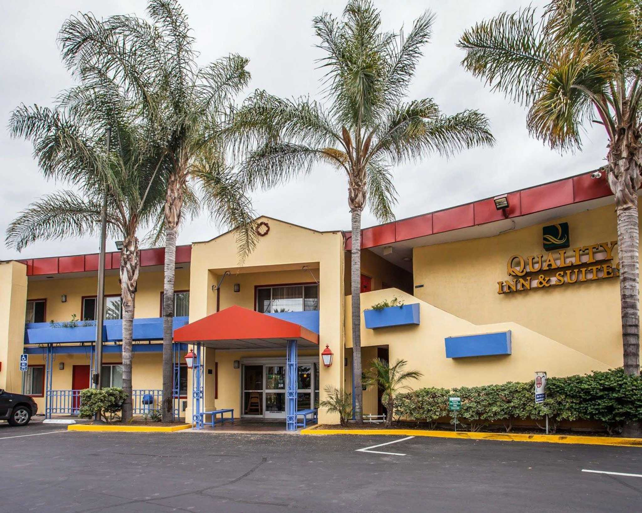 Quality Inn & Suites Anaheim at the Park image 2