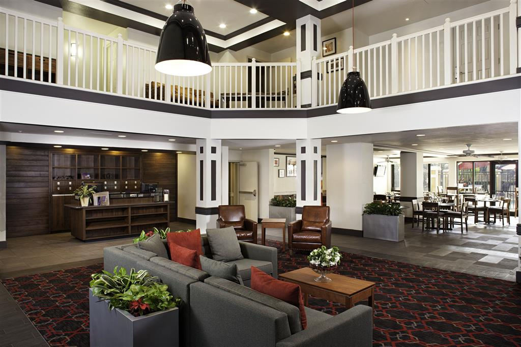Four Points by Sheraton Fort Myers Airport image 1