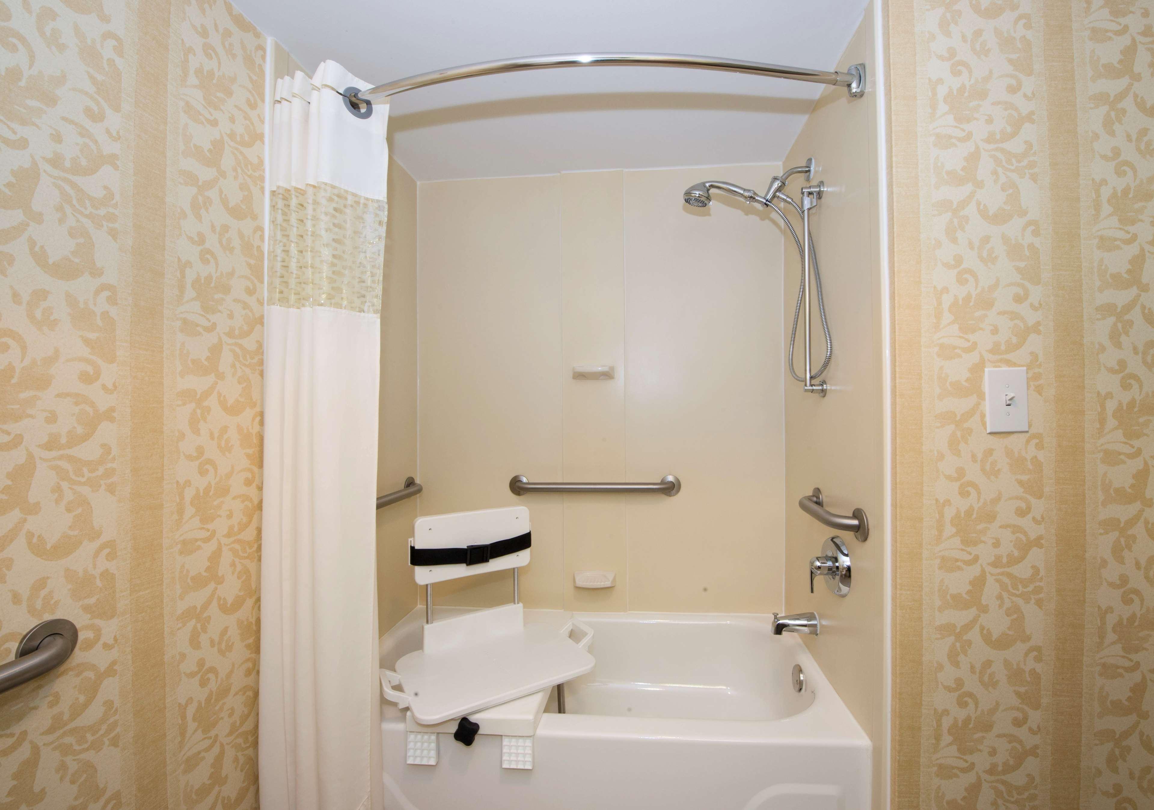 Hampton Inn Atlanta-Southlake image 18