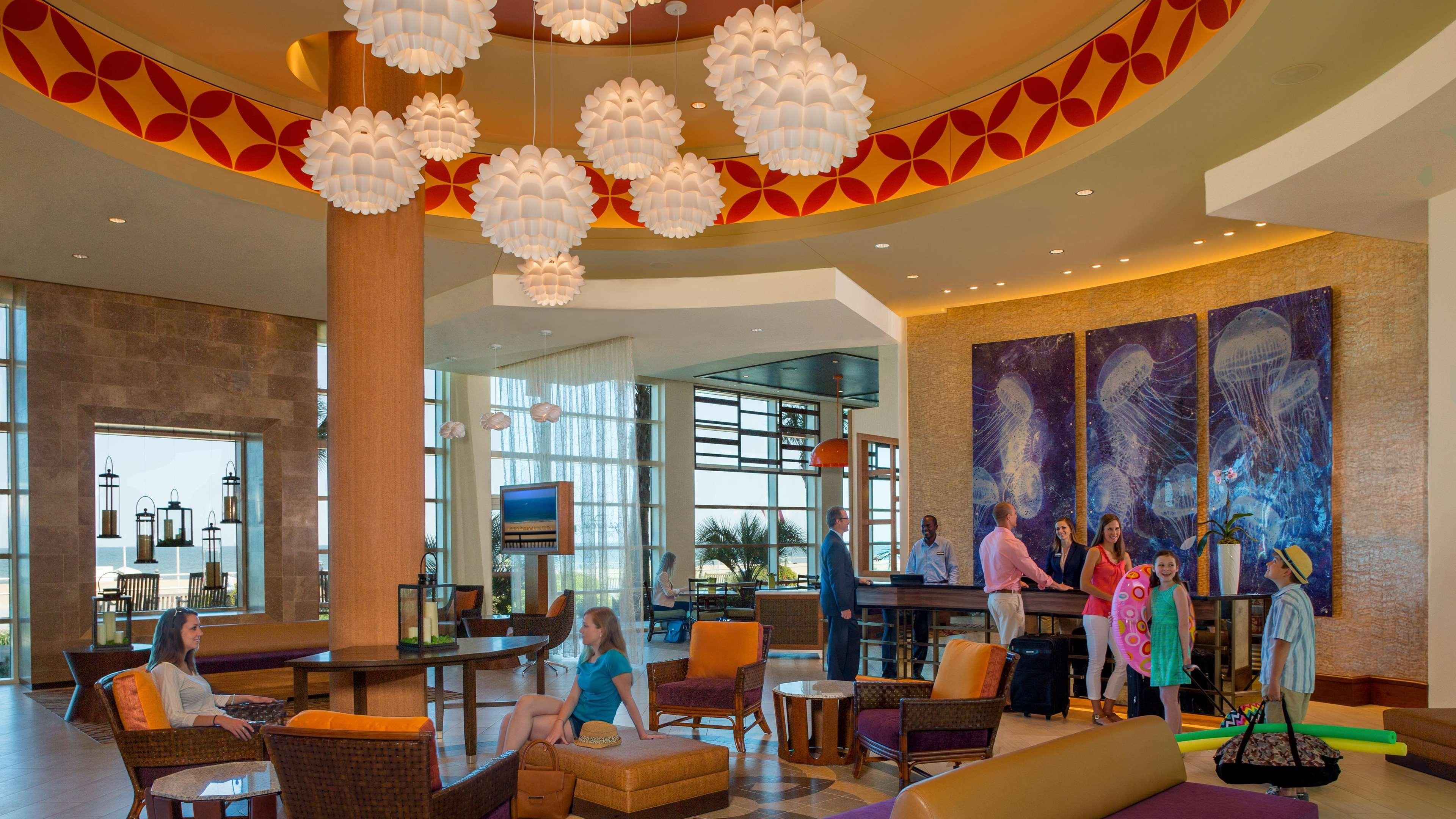 Hilton Garden Inn Virginia Beach Oceanfront image 9