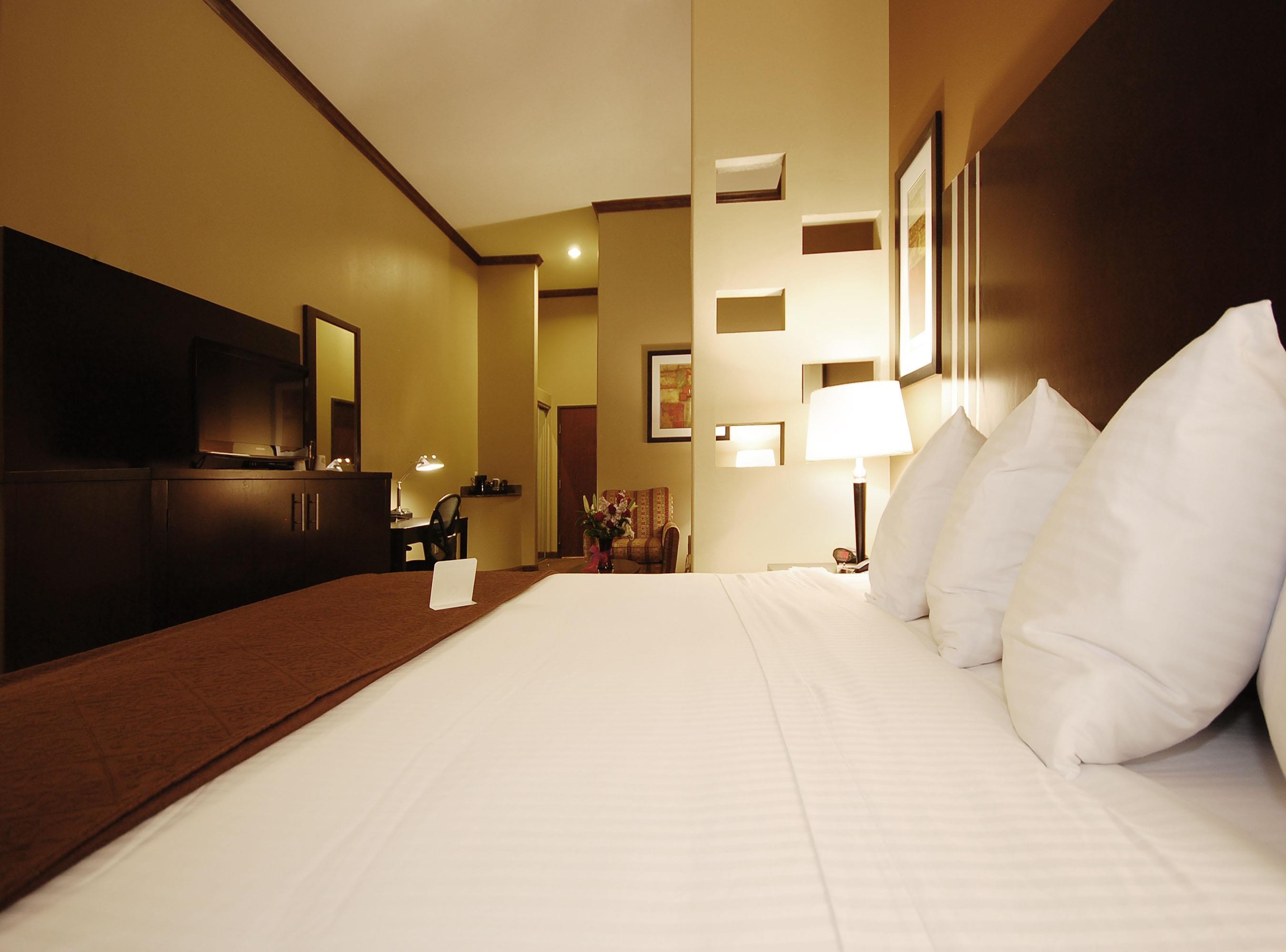 Best Western Plus Texoma Hotel & Suites image 20