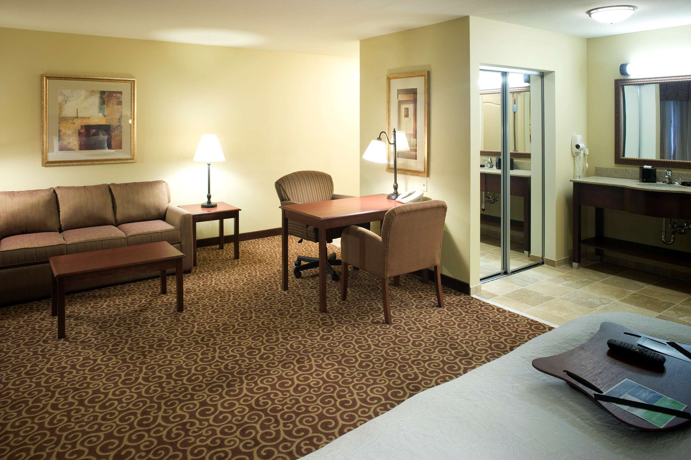 Hampton Inn & Suites Rochester-North image 26