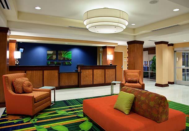 Fairfield Inn & Suites by Marriott Phoenix Chandler/Fashion Center image 1