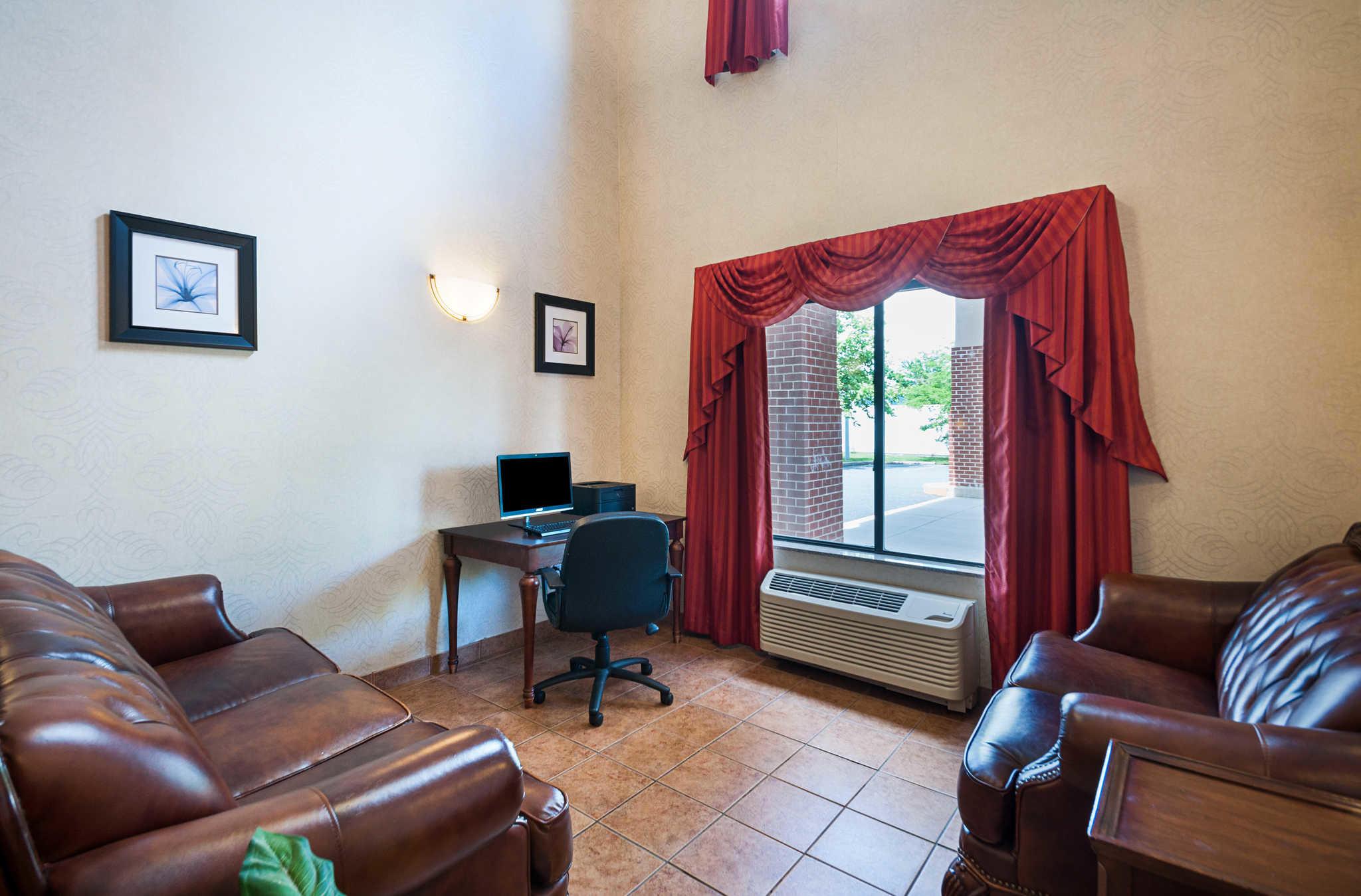 Comfort Inn & Suites Cambridge image 35