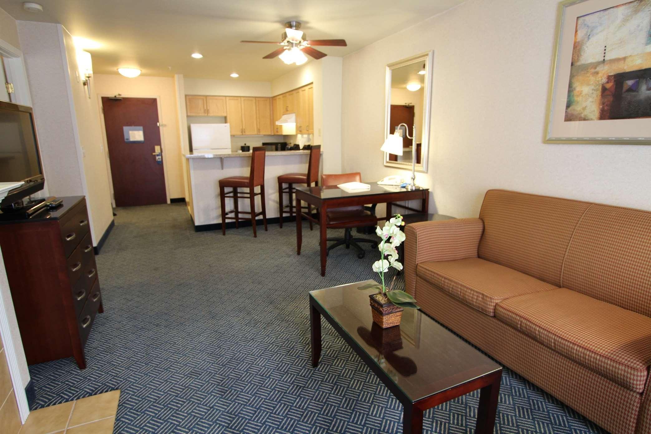 Hampton Inn & Suites Seattle-Downtown image 12