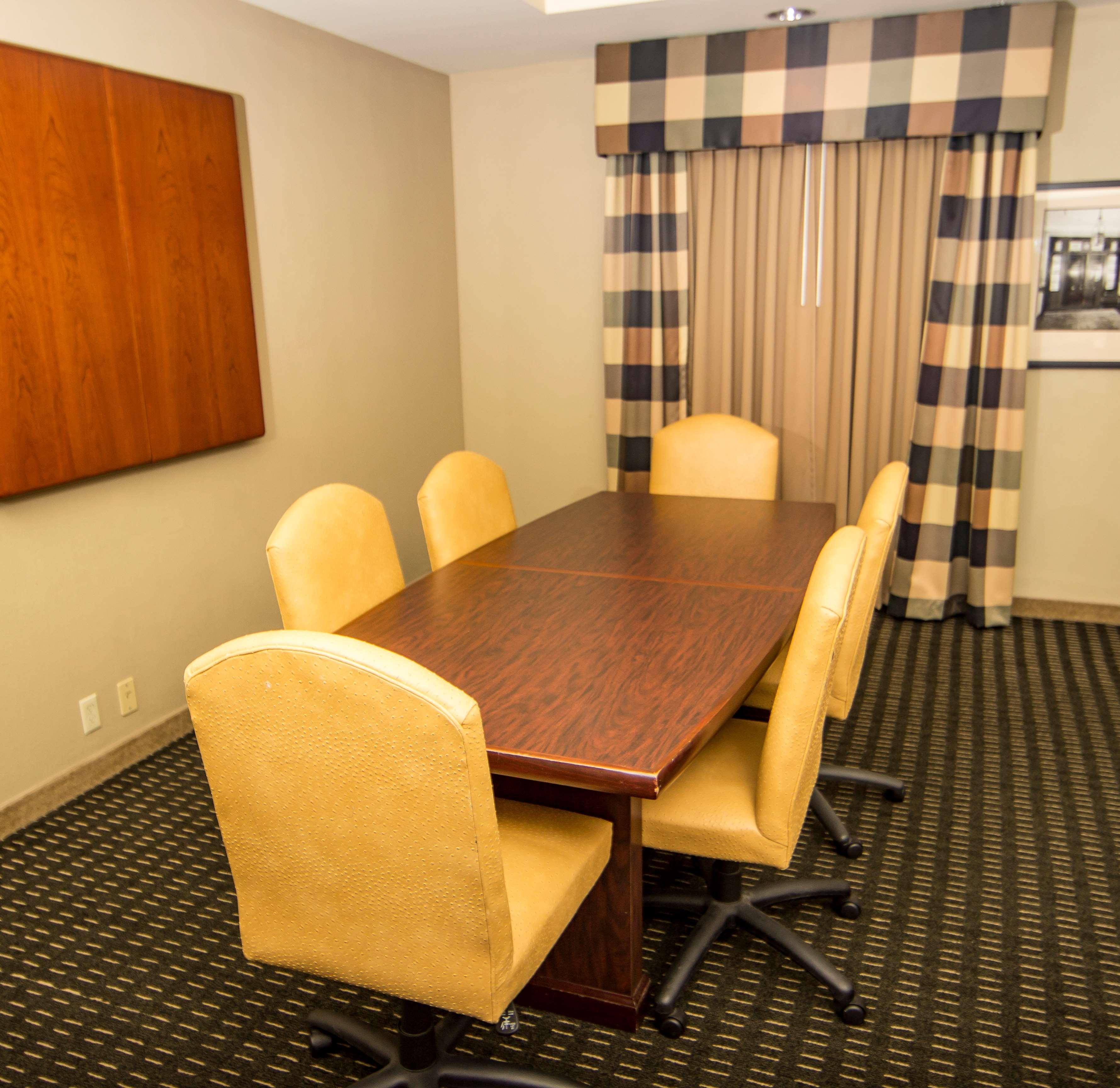 Hampton Inn & Suites Jackson image 38