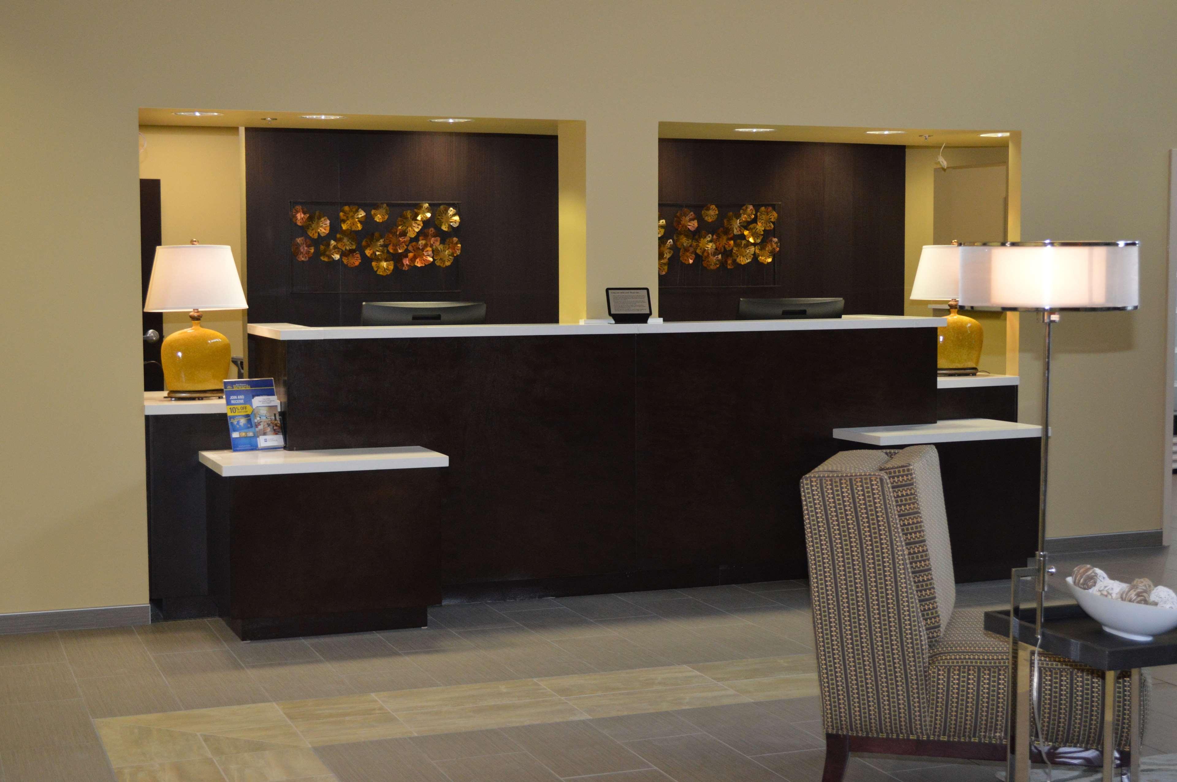 Best Western Plus Thornburg Inn & Suites image 1