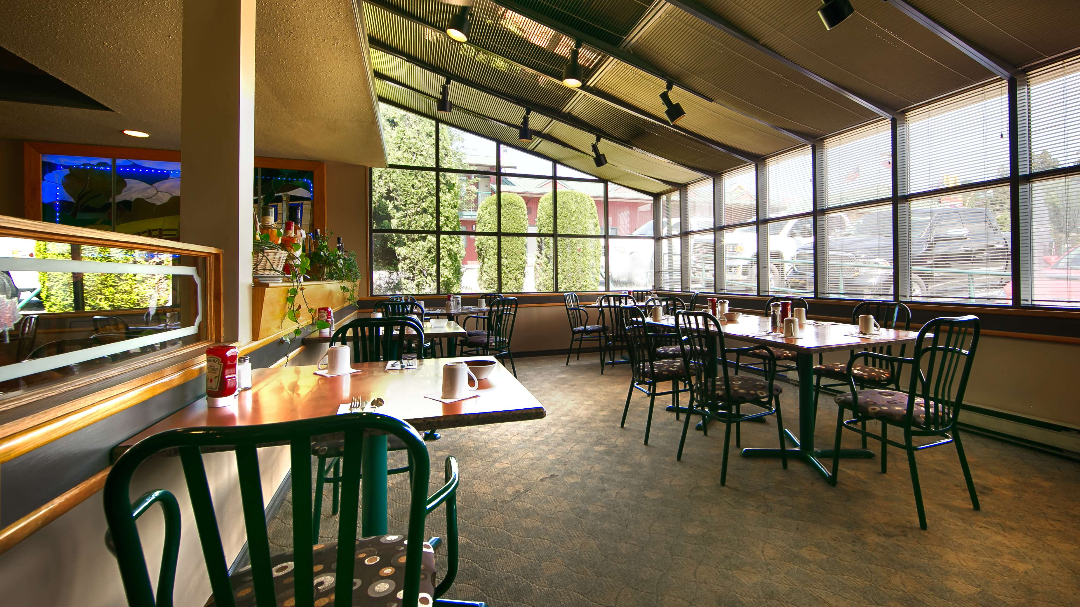 Best Western Bakerview Inn in Abbotsford: Restaurant